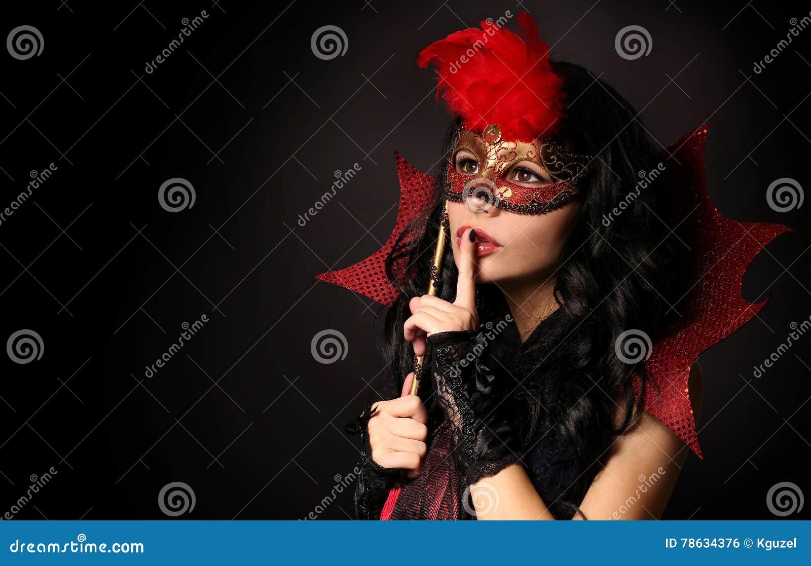 有狂欢节屏蔽的女孩 万圣节 化妆舞会