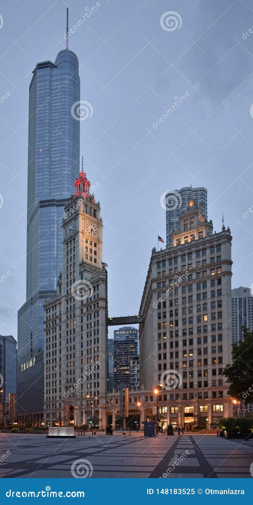 有王牌塔和里格利大厦的芝加哥街市