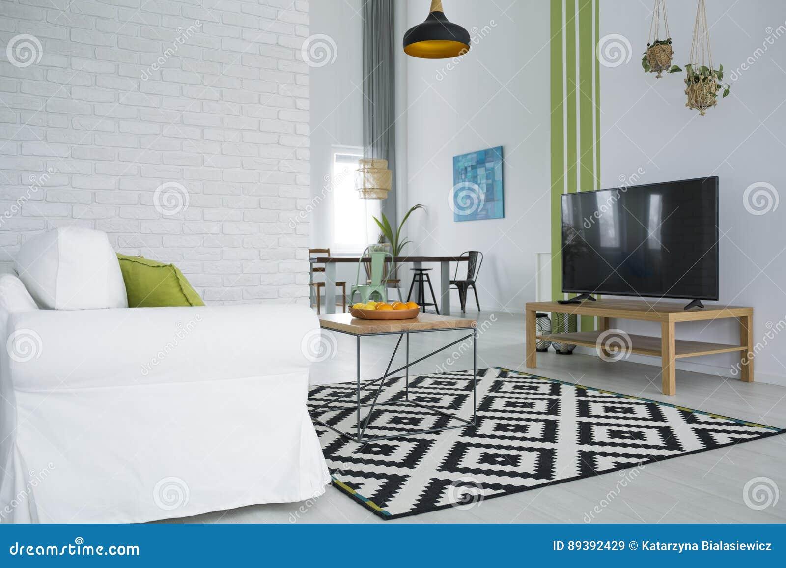 有电视的客厅