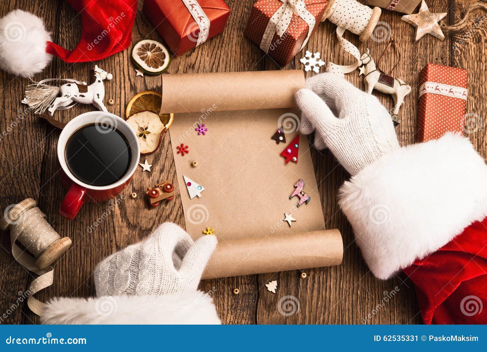 有礼物和愿望的圣诞老人