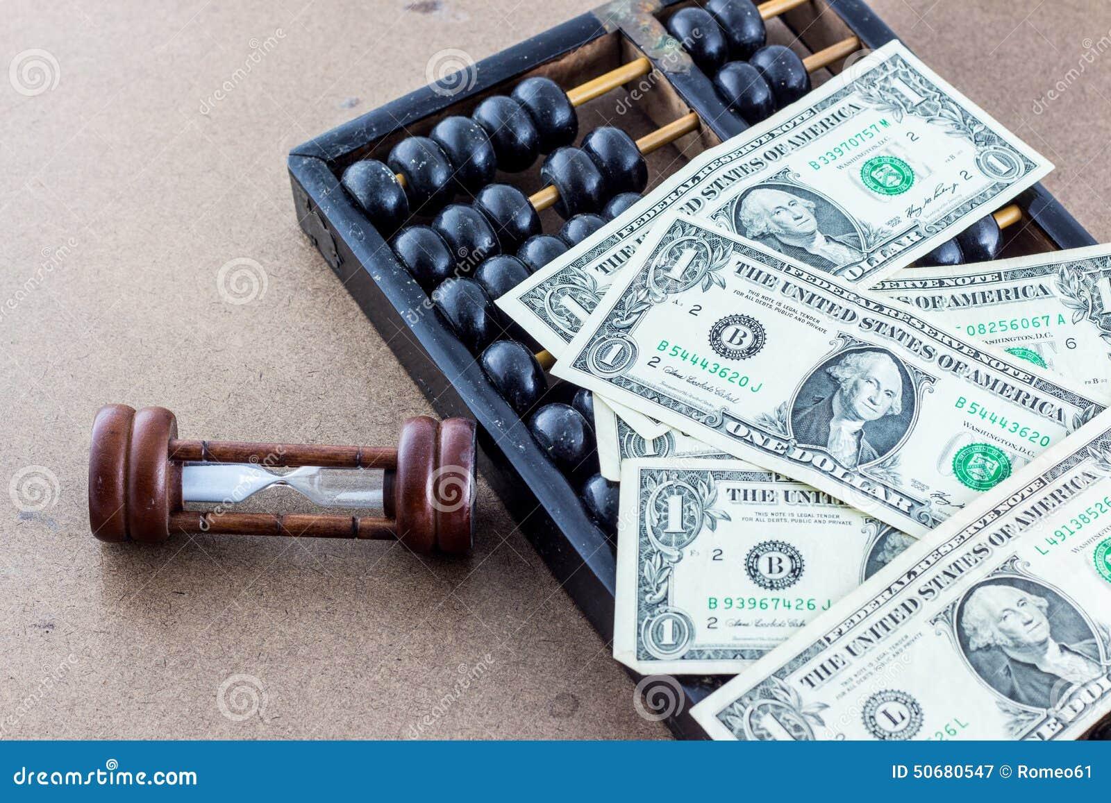Download 有算盘和钞票的滴漏 库存图片. 图片 包括有 纸张, ,并且, 货币, 背包, 概念, 对象, 时钟, 镇痛药 - 50680547