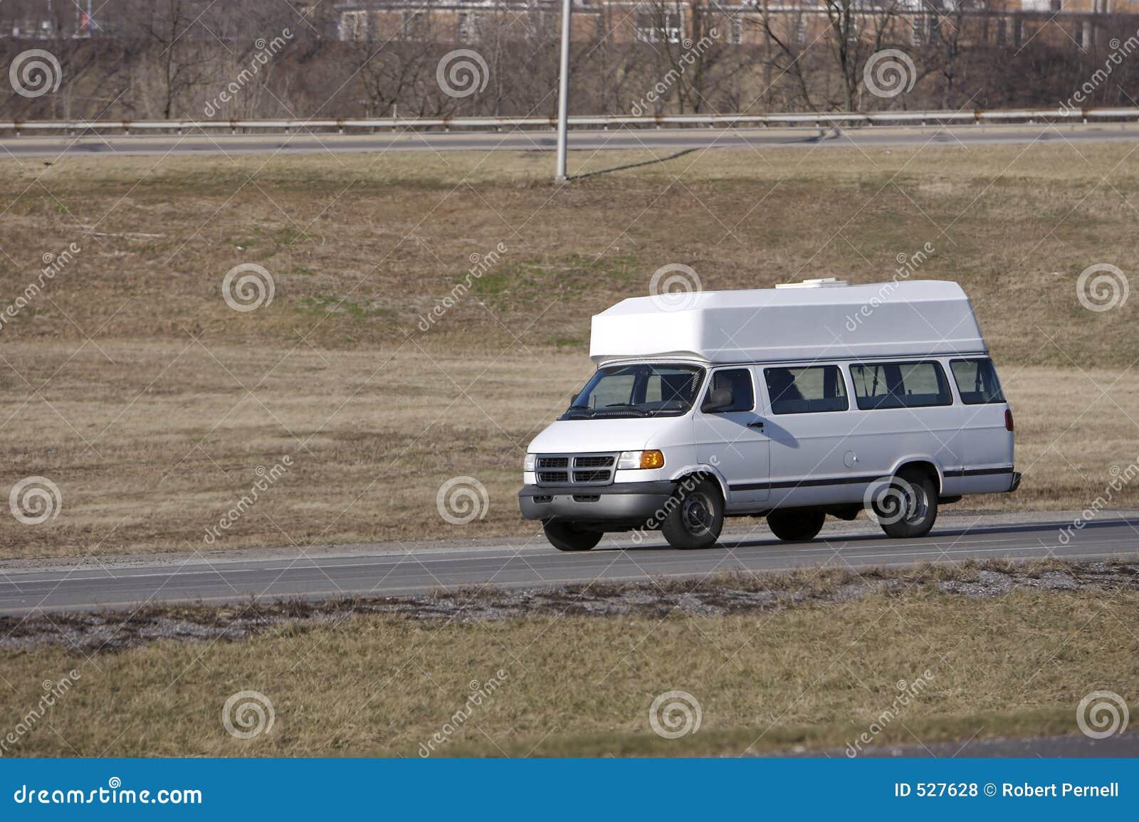 Download 有篷货车 库存照片. 图片 包括有 空白, 人们, 面板, 有效负荷, 发运, 有篷货车, 货物, 高速公路 - 527628