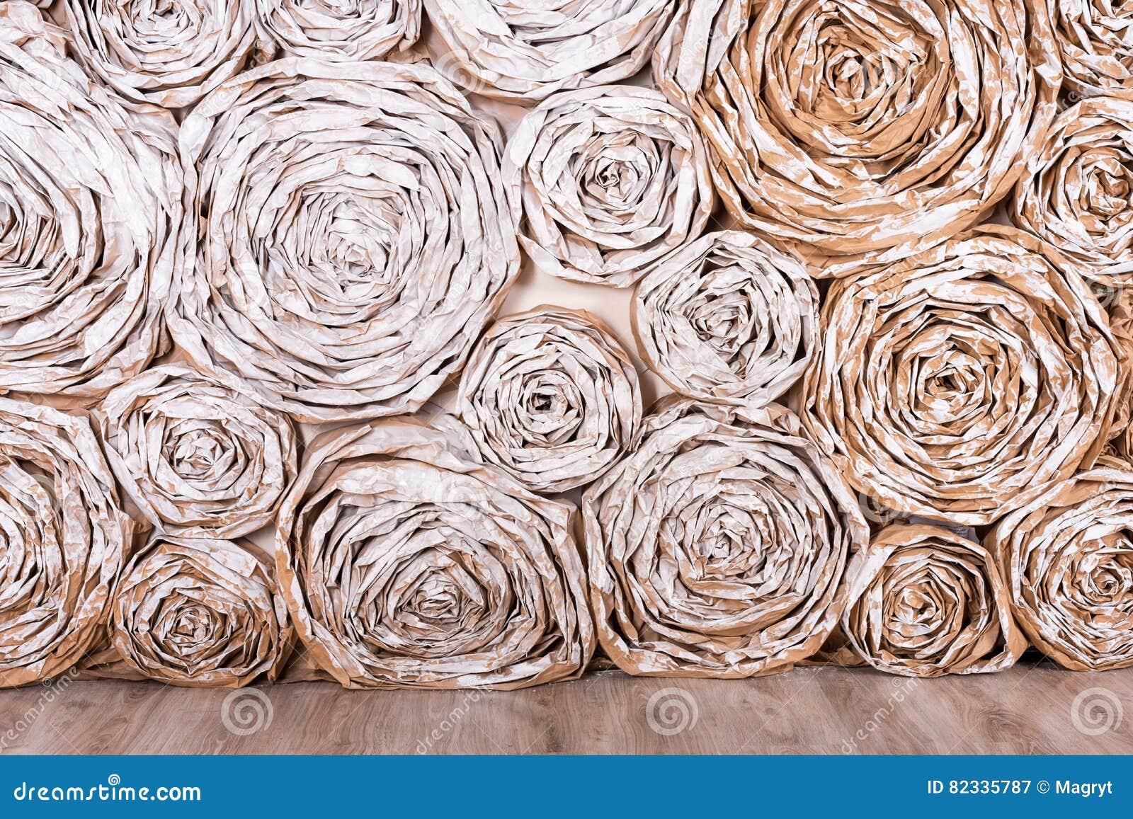 有纸花的墙壁 手工制造工艺创造性的抽象背景