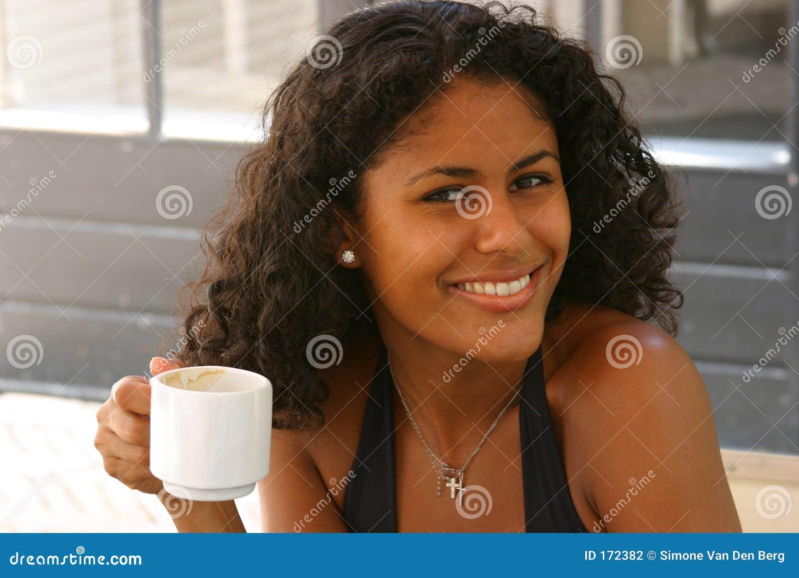 有美丽的巴西的咖啡妇女