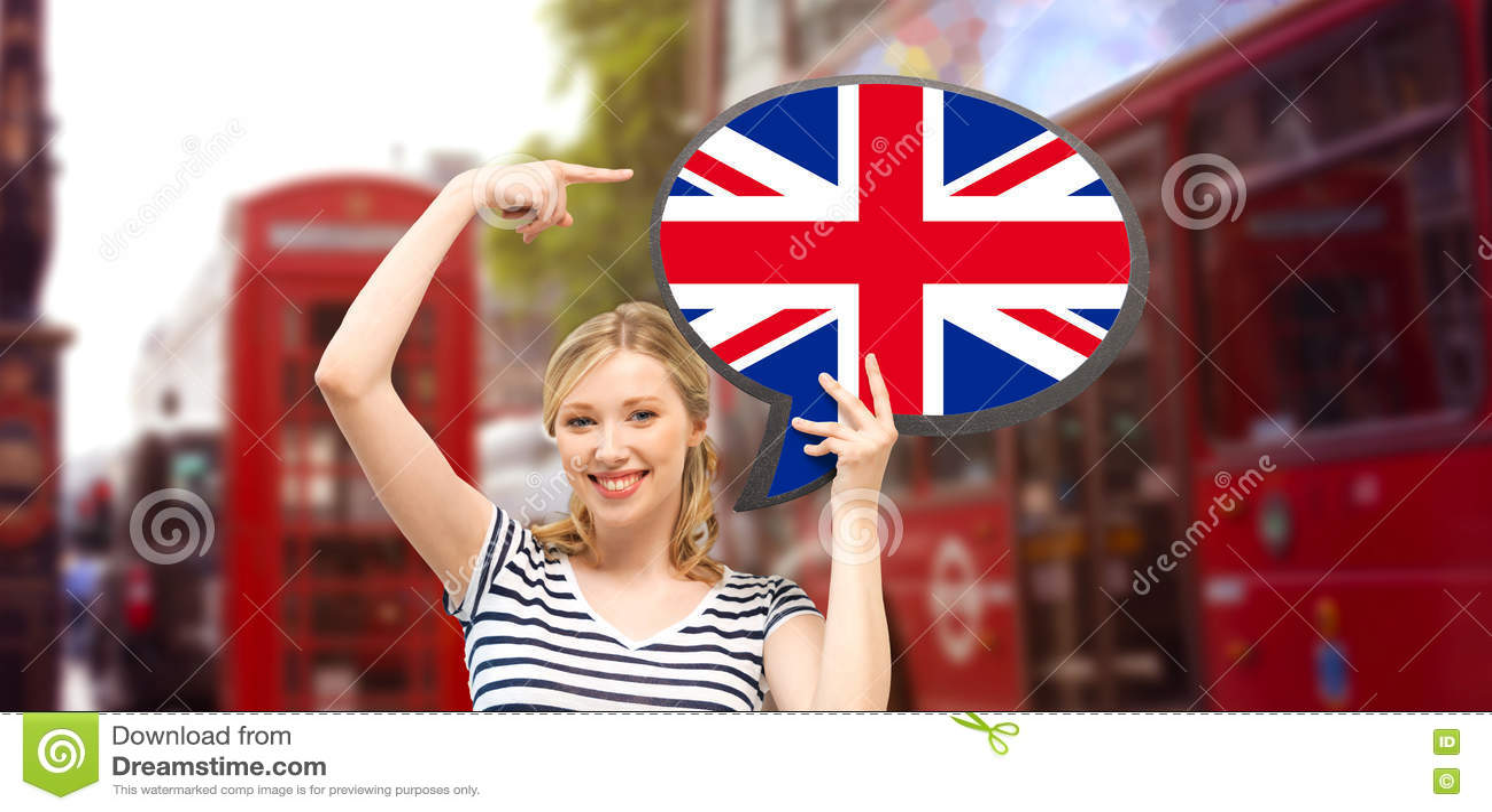 有英国旗子文本泡影的妇女在伦敦