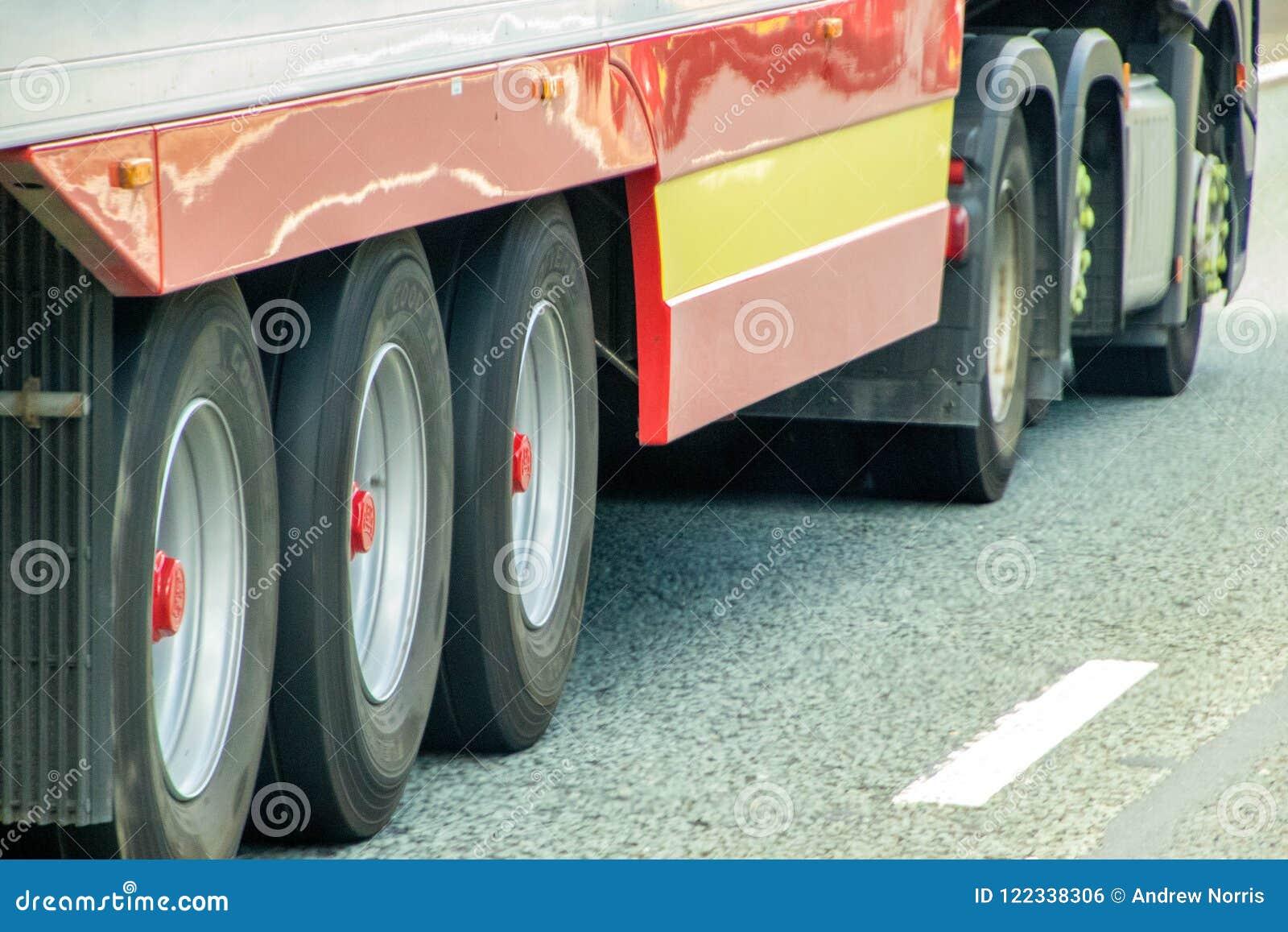有蓬卡车汽车详述不同的推进等充分的轻的乘客系列拖拉机拖车卡车卡车有篷货车通信工具轮子