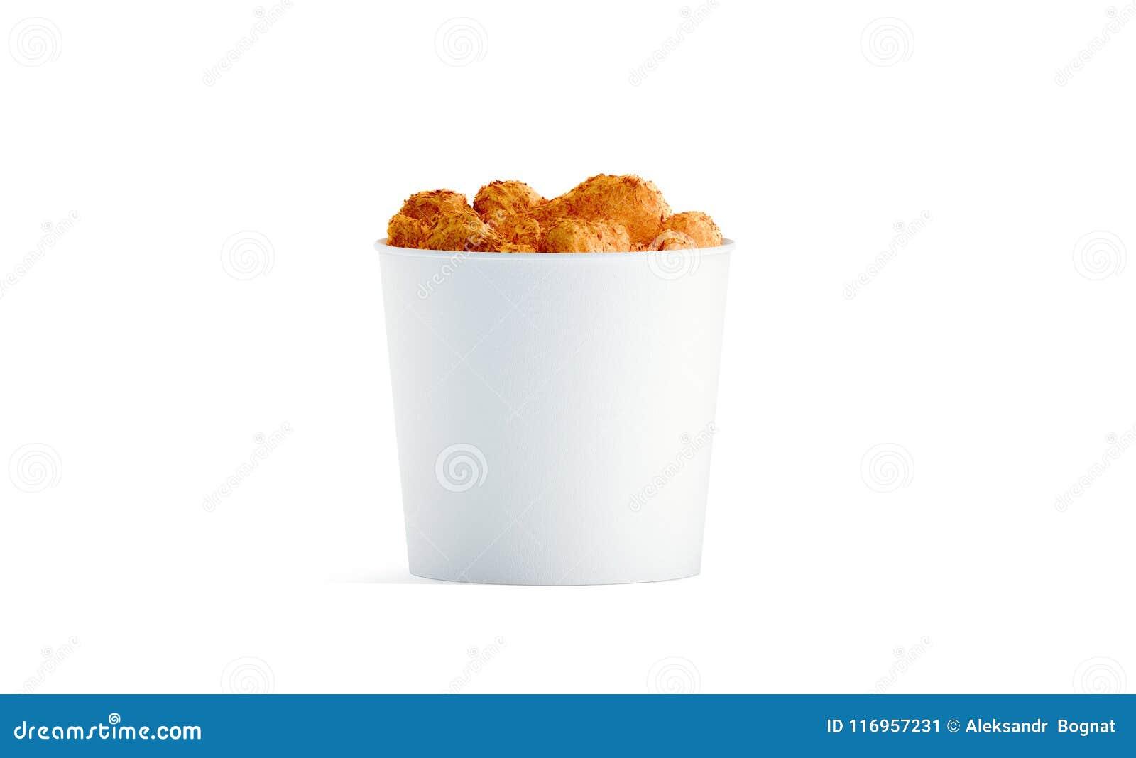 有被隔绝的鸡翼大模型的空白的白色食物桶