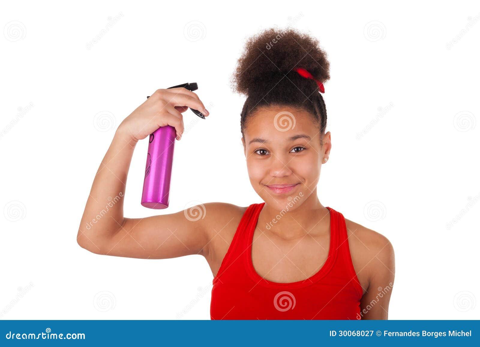 美国少妇bb图_有被隔绝的非洲的头发的美国黑人的少妇.
