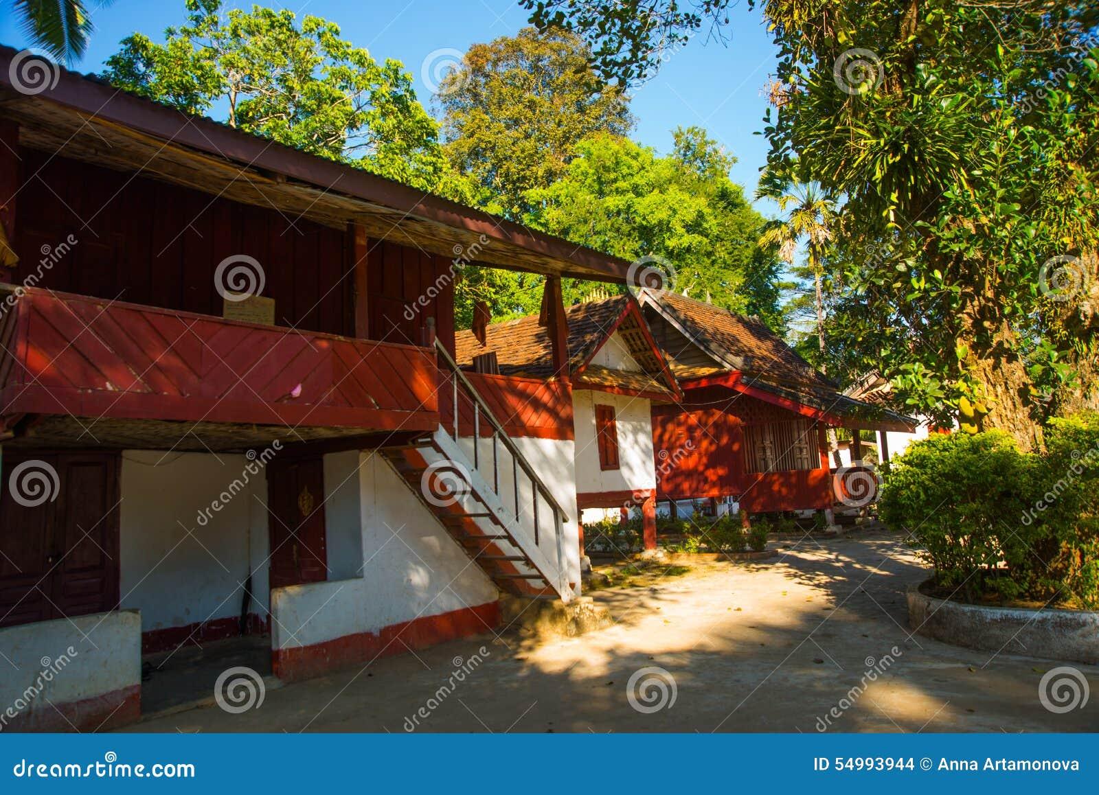 有金子的佛教寺庙 老挝 老挝