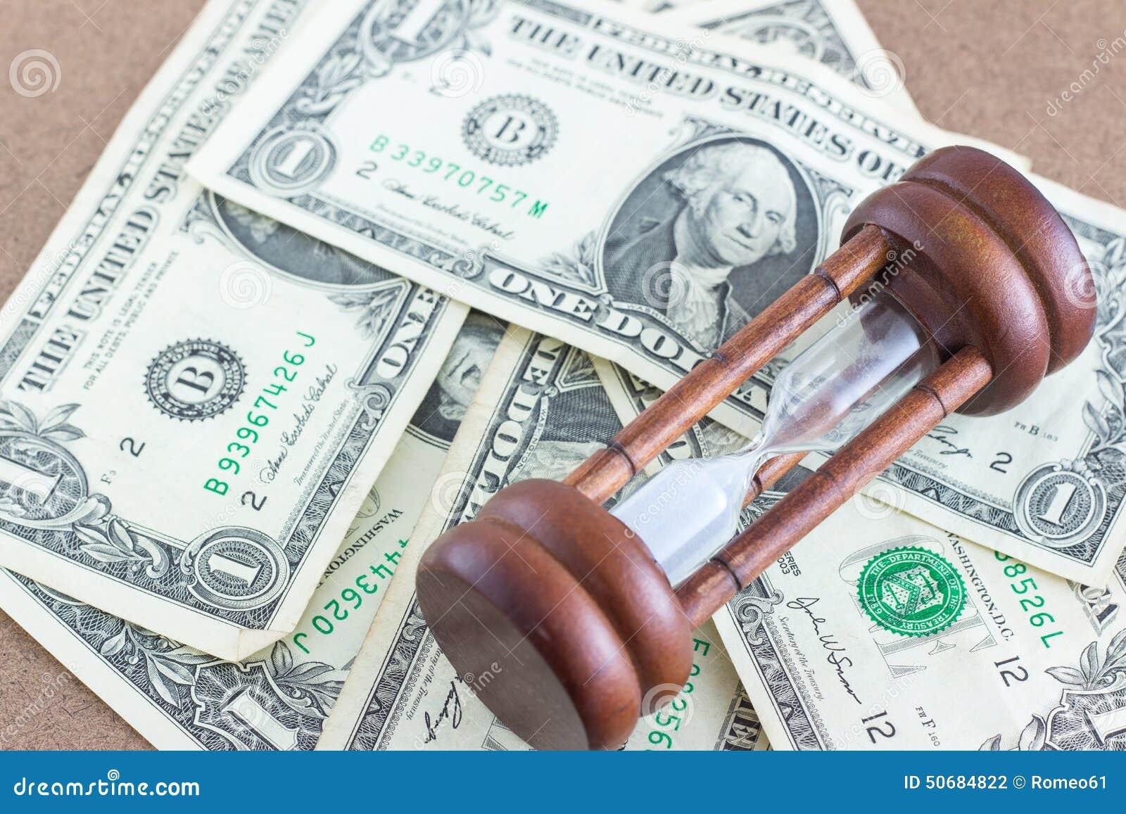 Download 有钞票的滴漏 库存照片. 图片 包括有 生活, 班珠尔, 时数, 背包, 纸张, 玻璃, 美元, ,并且 - 50684822