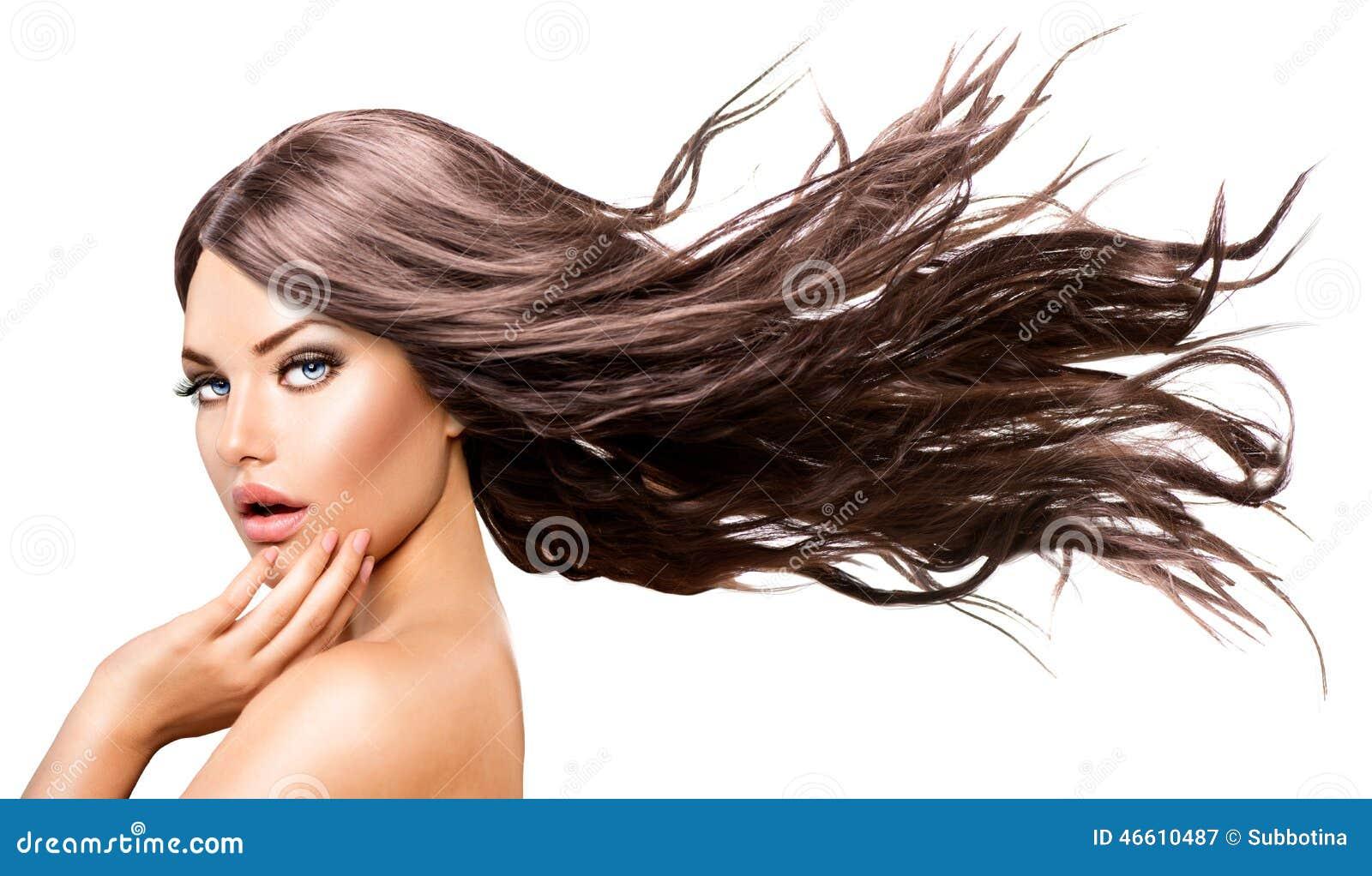 有长的吹的头发的式样女孩图片