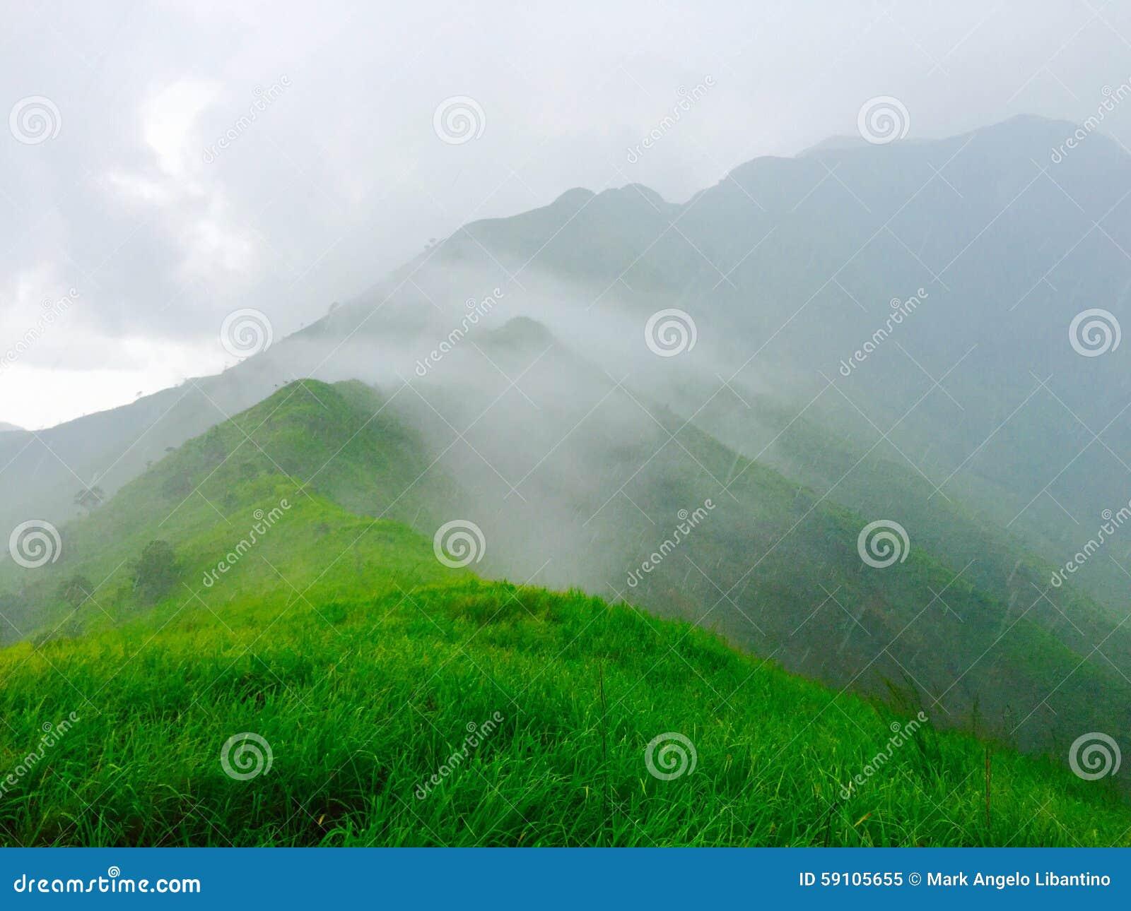 有雾的山顶