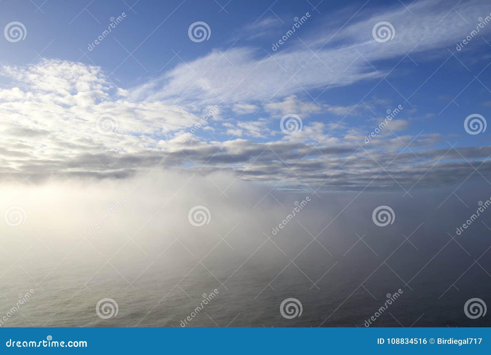 有雾的海运 海天气题材 浓雾盖的海洋