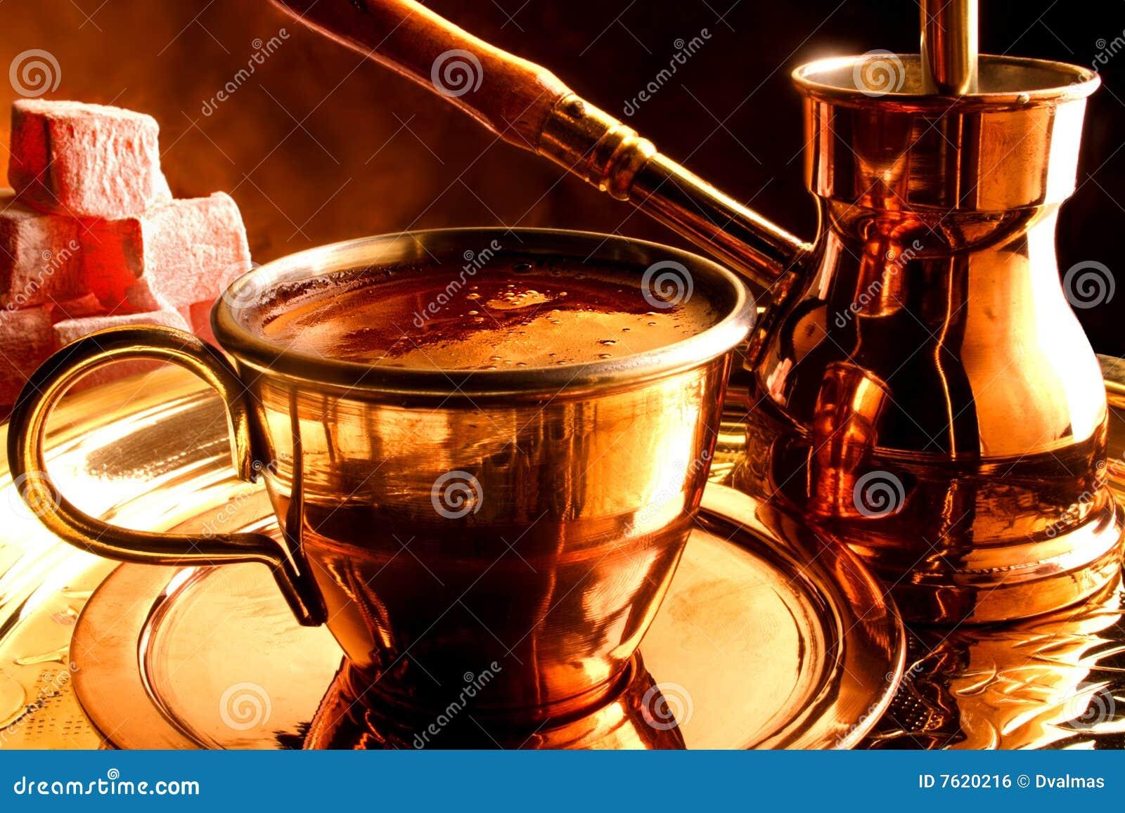 服务传统土耳其的咖啡
