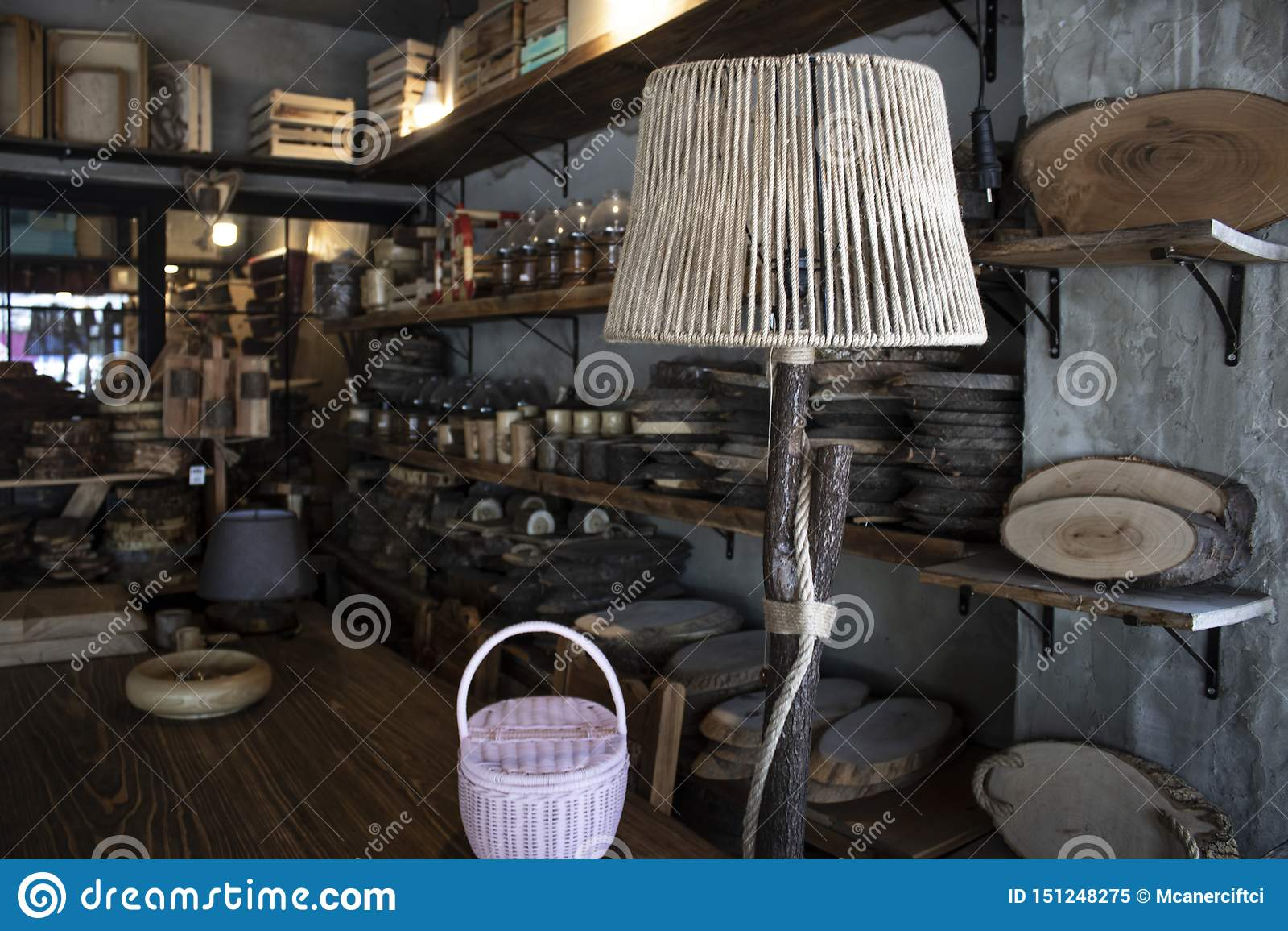 木家庭装饰产品 木材加工产品 夜光由木头制成 商店通过被拉扯了