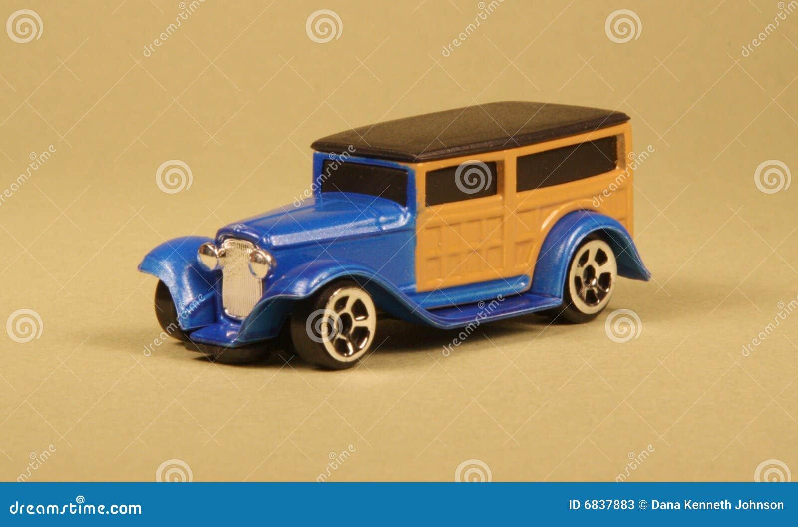 木质32辆汽车的玩具
