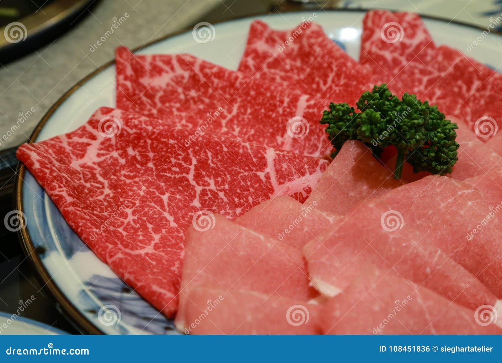 未v牛肉的牛肉和猪肉sukiyaki的辣条糕点图片