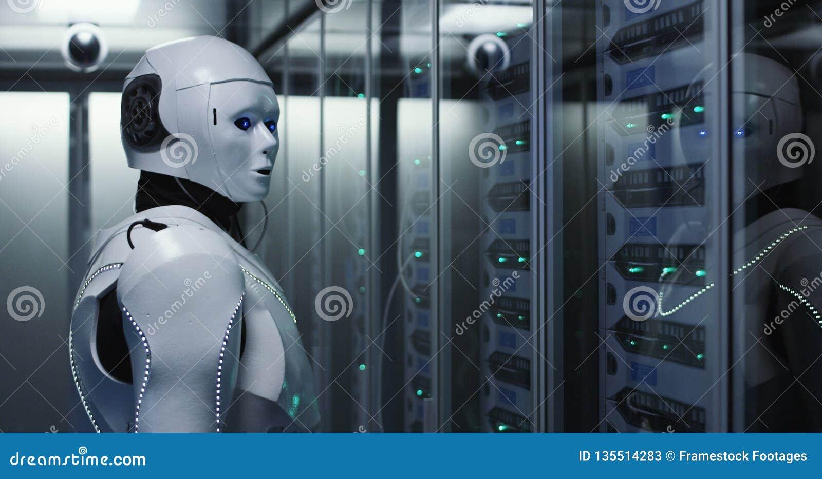 未来派机器人机器人工作在服务器屋子里