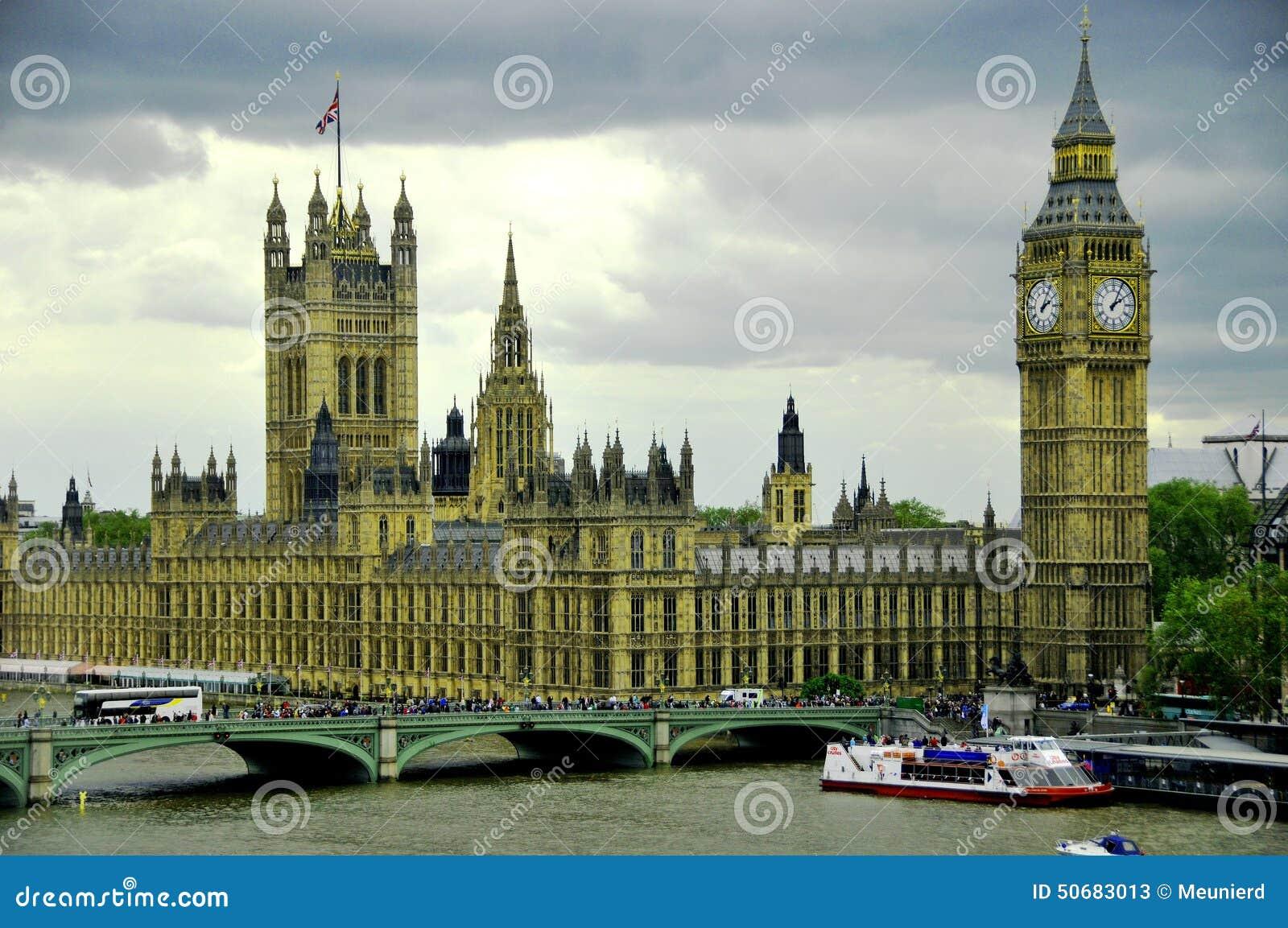 Download 本大塔 编辑类库存照片. 图片 包括有 外部, 英国, 布琼布拉, 利息, 伊丽莎白, 生活, 周年纪念 - 50683013