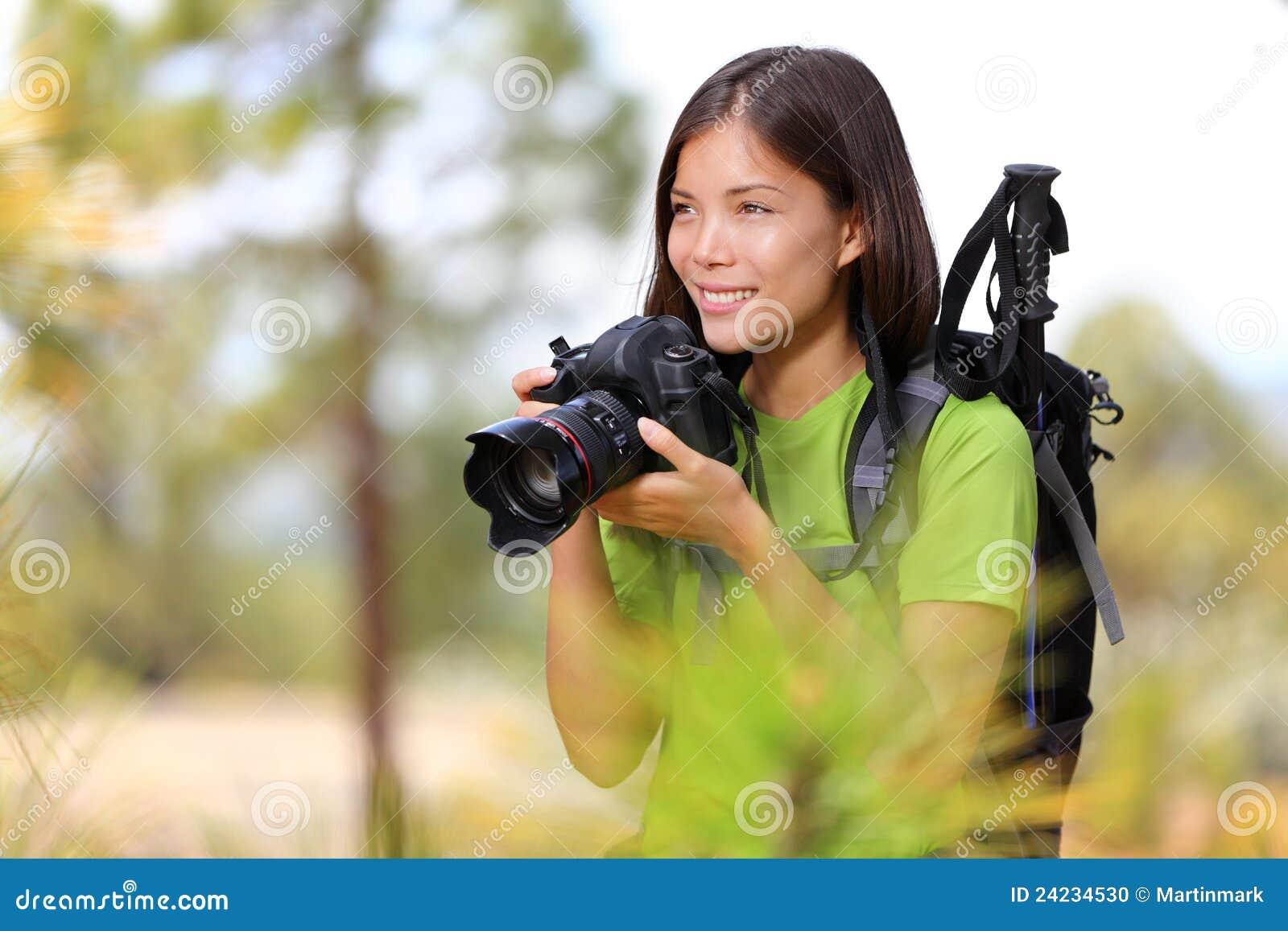 本质摄影师旅行妇女