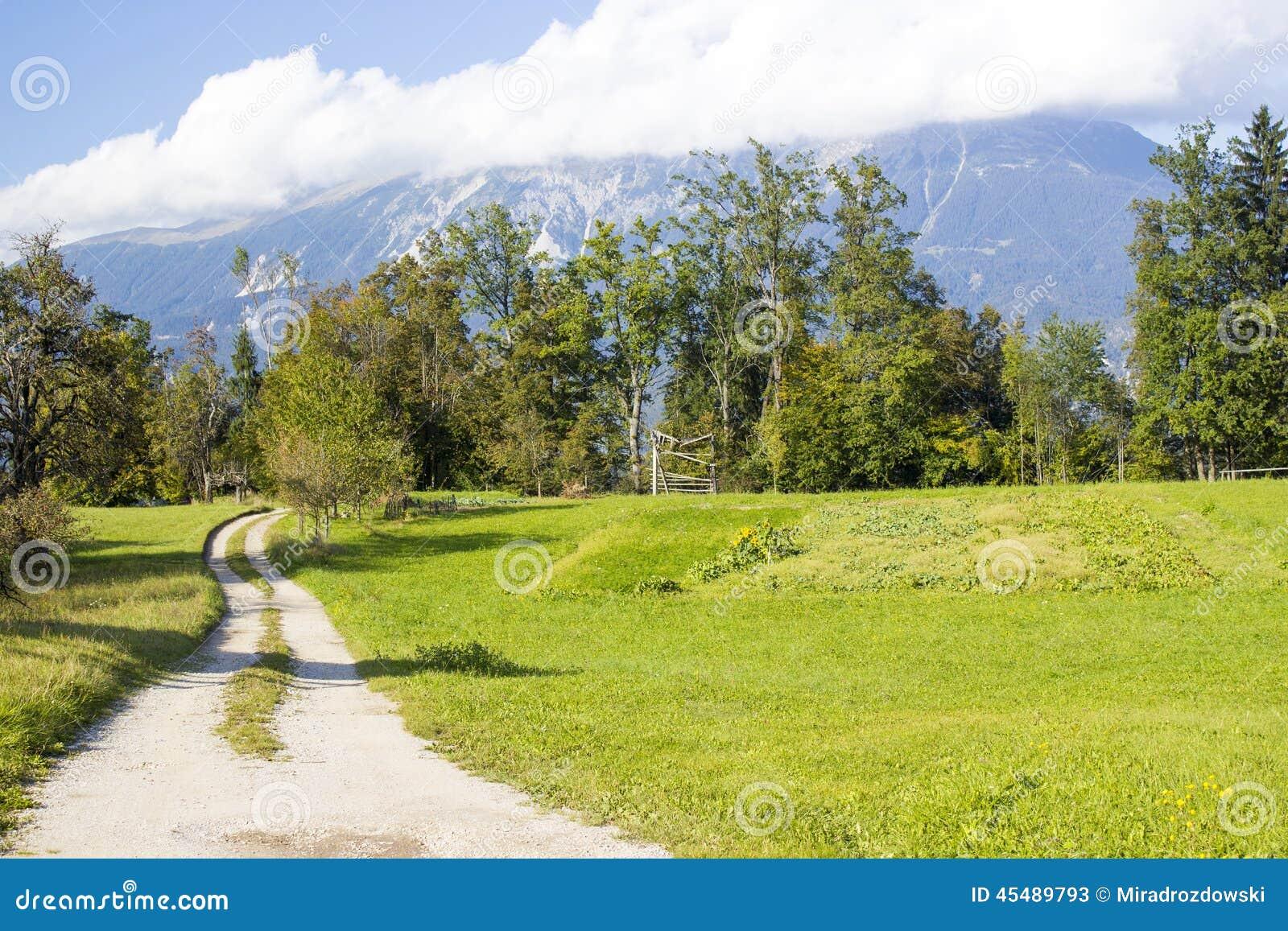 朱利安阿尔卑斯山-在流血的湖附近的全景