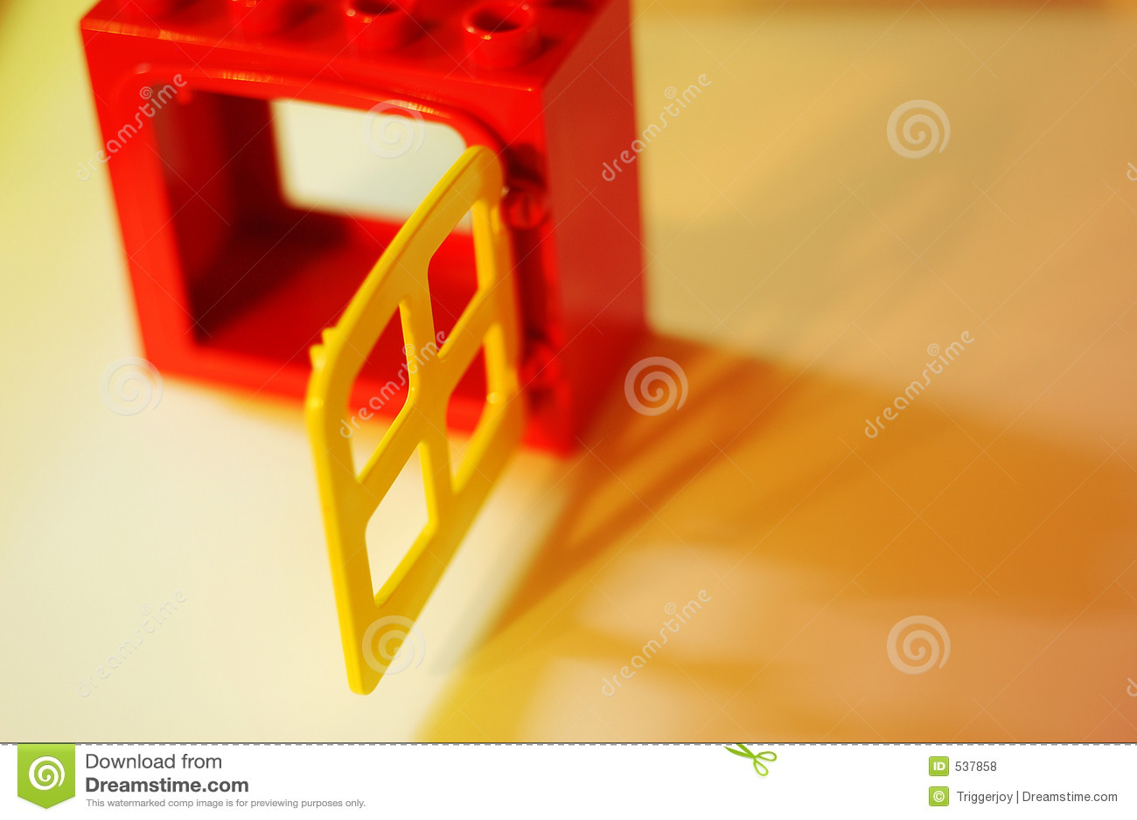 Download 机会视窗 库存照片. 图片 包括有 商业, 开放, 红色, 金黄, 玩具, 象征性, 视窗, 黄色, 隐喻, 概念性 - 537858