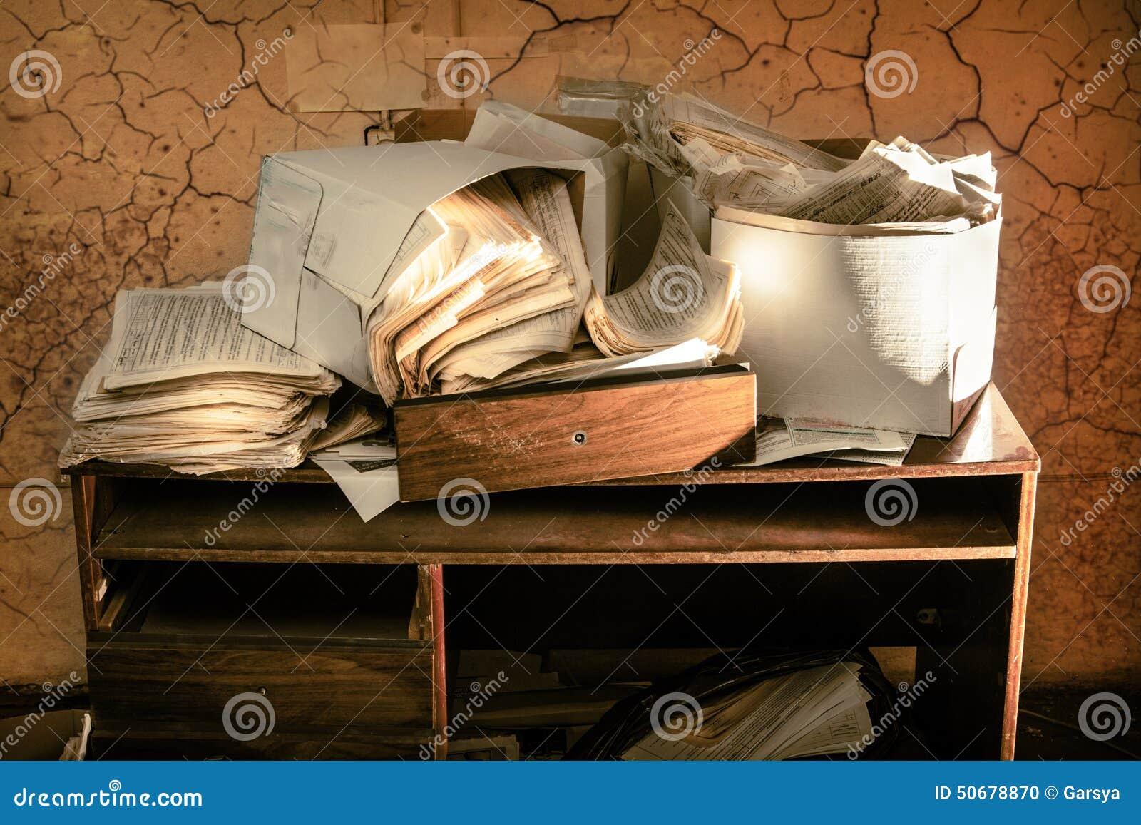 Download 杂乱工作场所 库存照片. 图片 包括有 凌乱, 紊乱, 特写镜头, 办公室, 工作, 未组织起来, 纸张 - 50678870