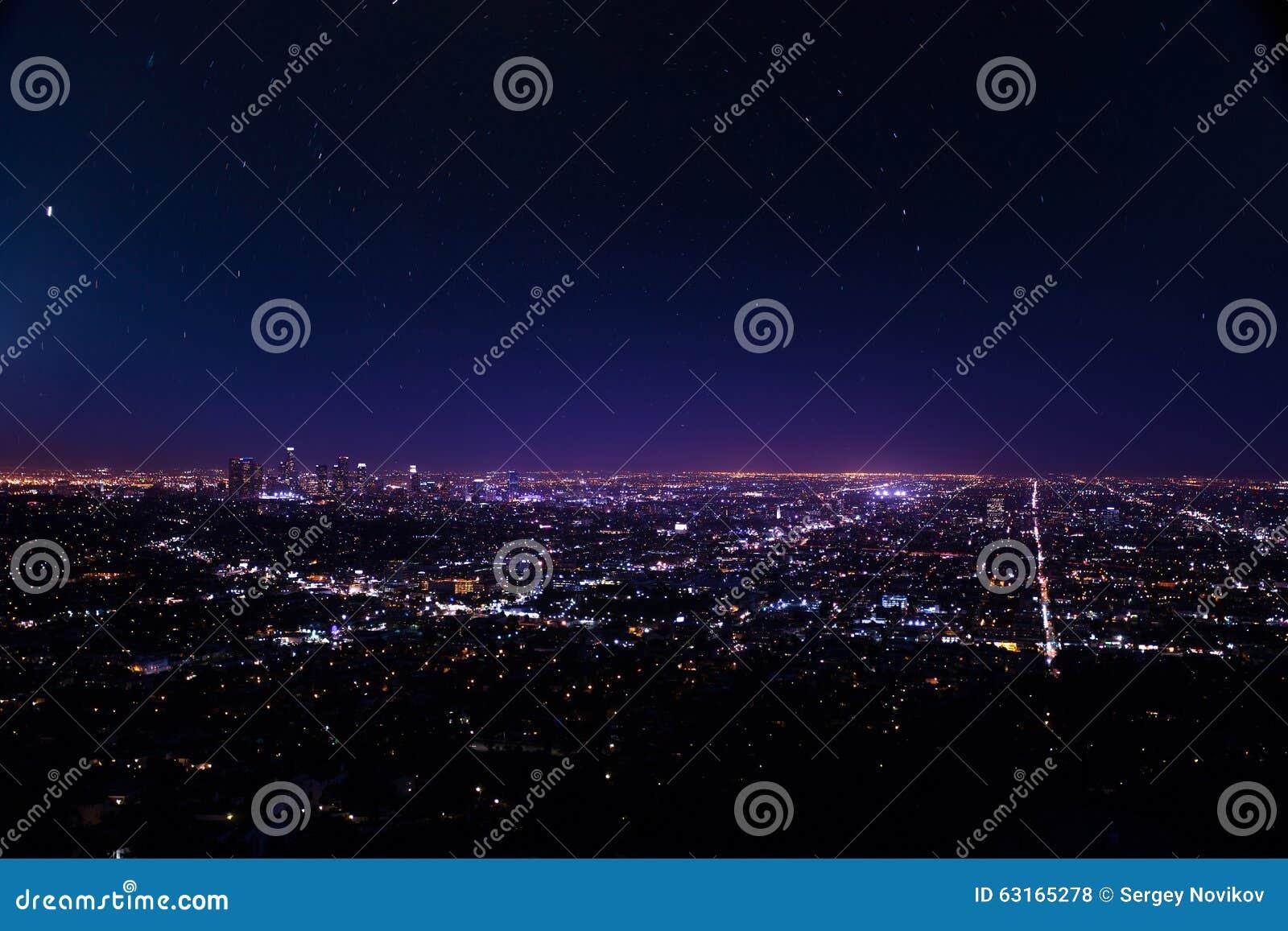 洛杉矶美好的都市风景视图在晚上