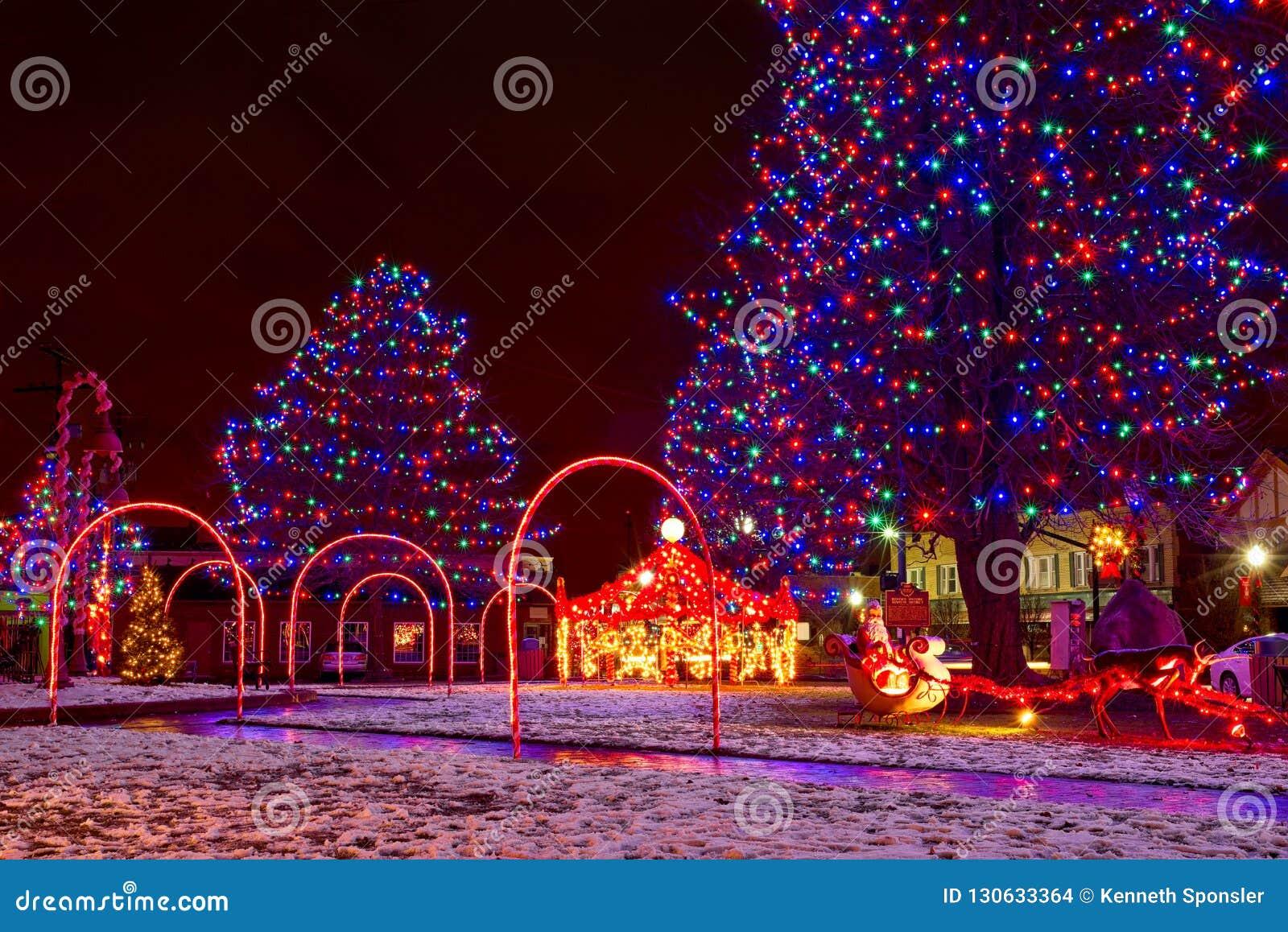 村庄方形的圣诞节场面
