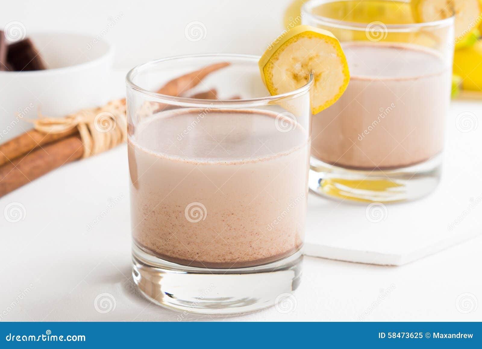 杯巧克力奶昔