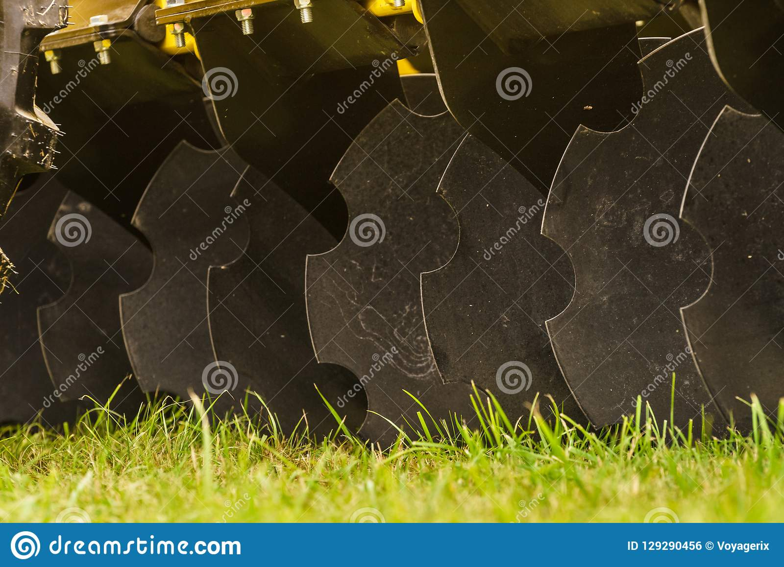 松开的土壤圆盘耕地机
