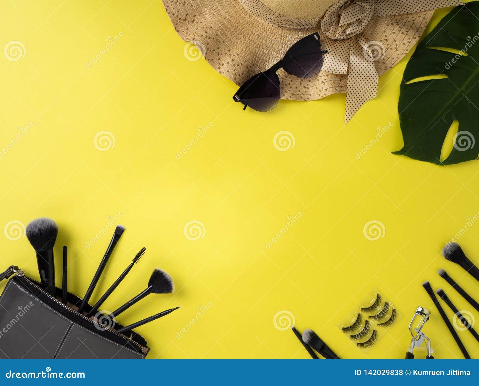 构成袋子以美容品黄色背景品种