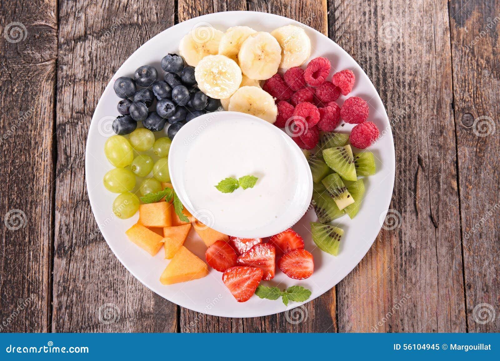 果子和酸奶奶油