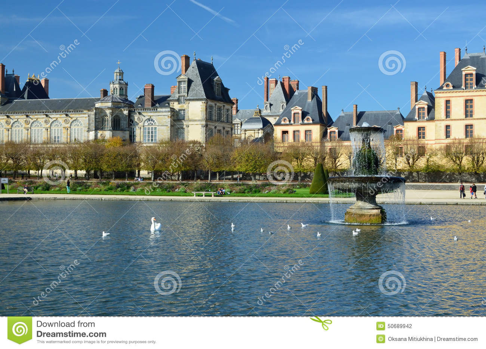 Download 枫丹白露著名宫殿 库存照片. 图片 包括有 纪念碑, 新生, 喷泉, 视图, 枫丹白露, 欧洲, 宫殿, 城堡 - 50689942