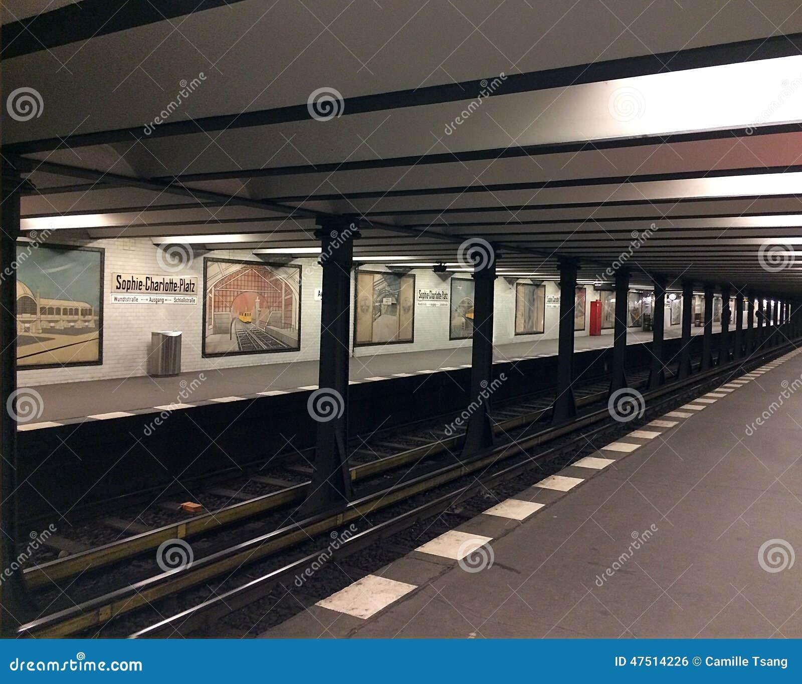 地下地铁车站,苏菲夏洛特普拉茨,在柏林,德国.图片