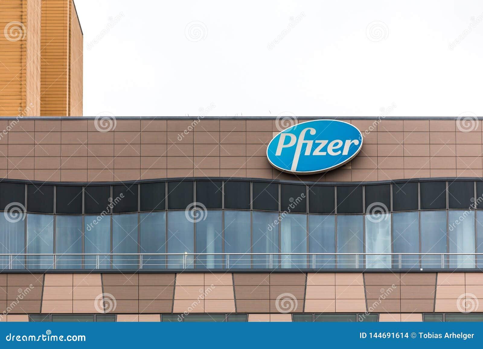 柏林,布兰登堡/德国- 24 12 18:辉瑞制药有限公司签到柏林德国