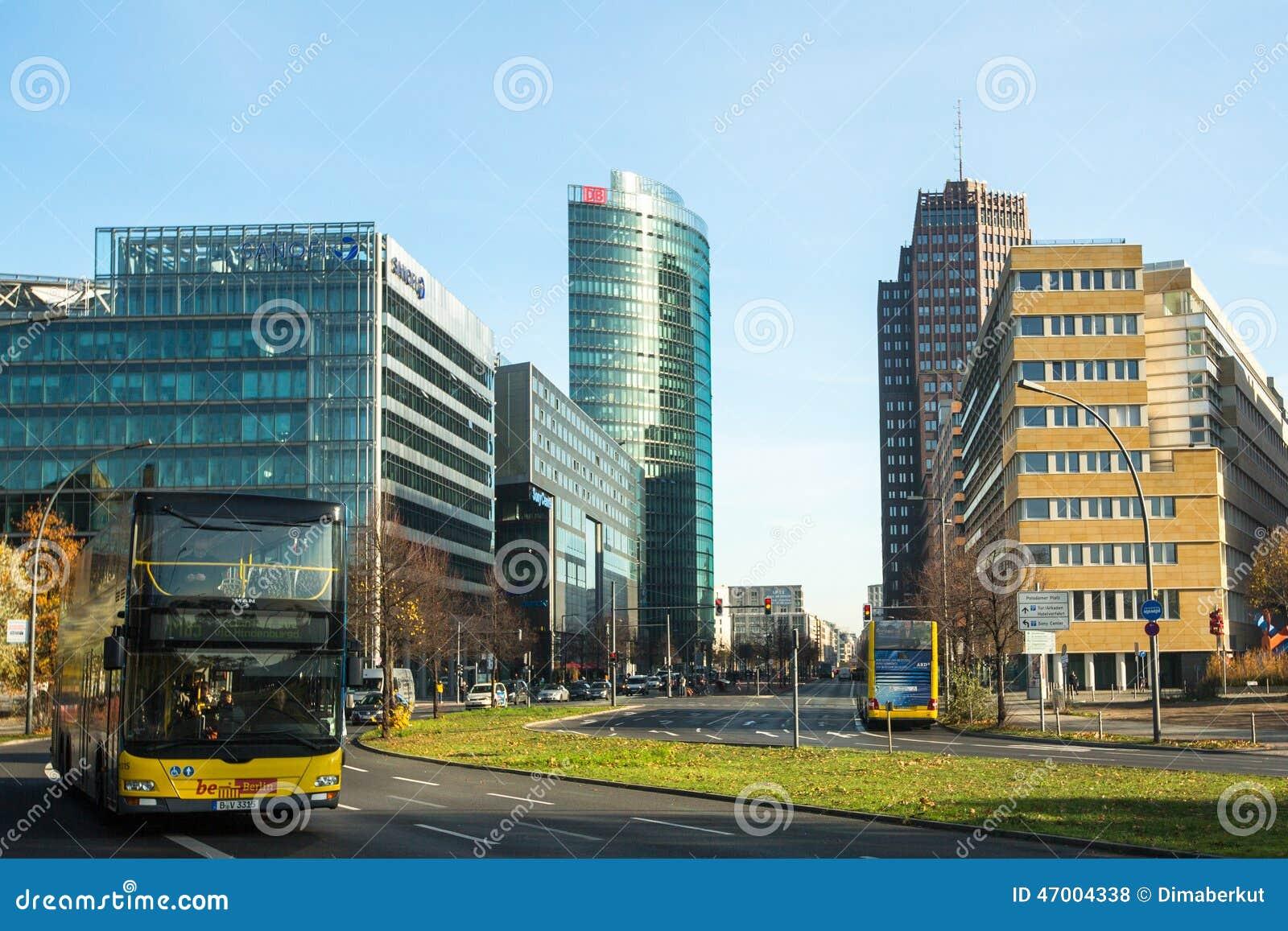 柏林,德国-在波茨坦广场的索尼中心图片