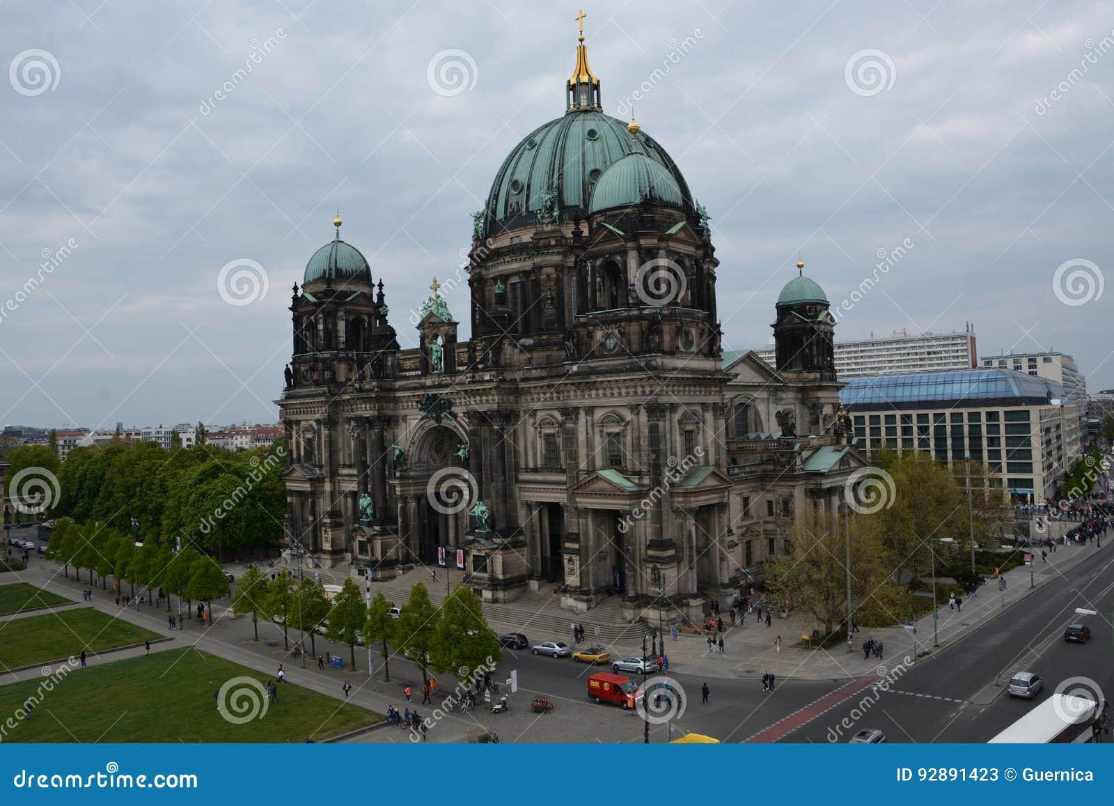 柏林Dom和电视塔在柏林
