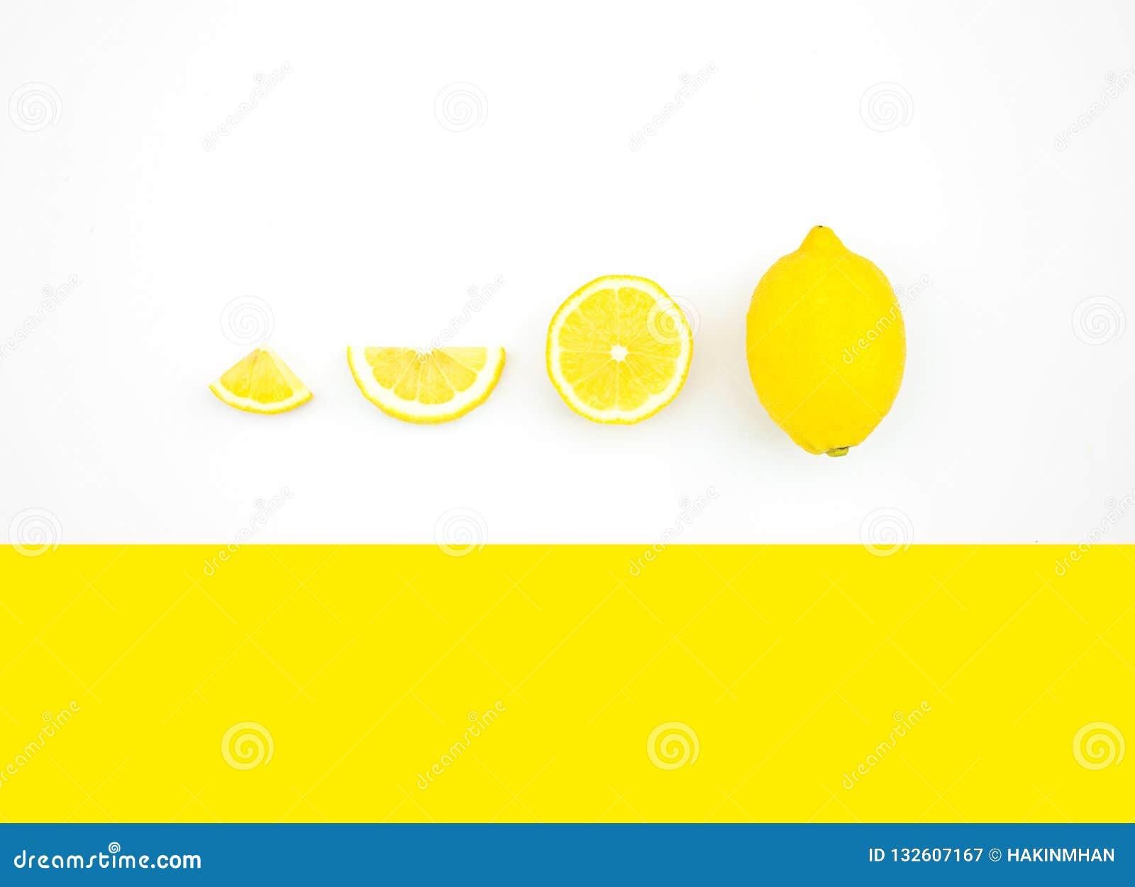 柠檬顶视图在颜色背景的 果子概念想法