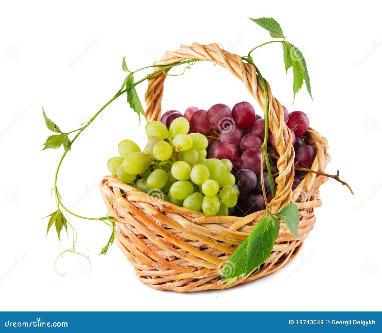 柳条篮子的葡萄