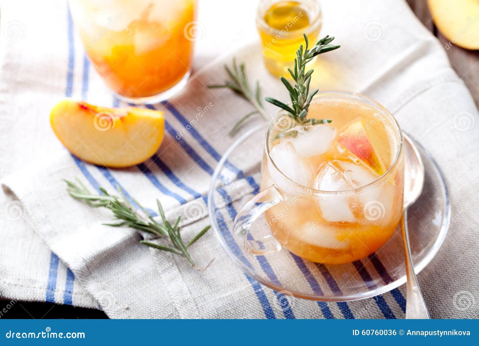 桃子和迷迭香嘶嘶响鸡尾酒.老鼠,庆祝.魔美食液体层大战塔50图片