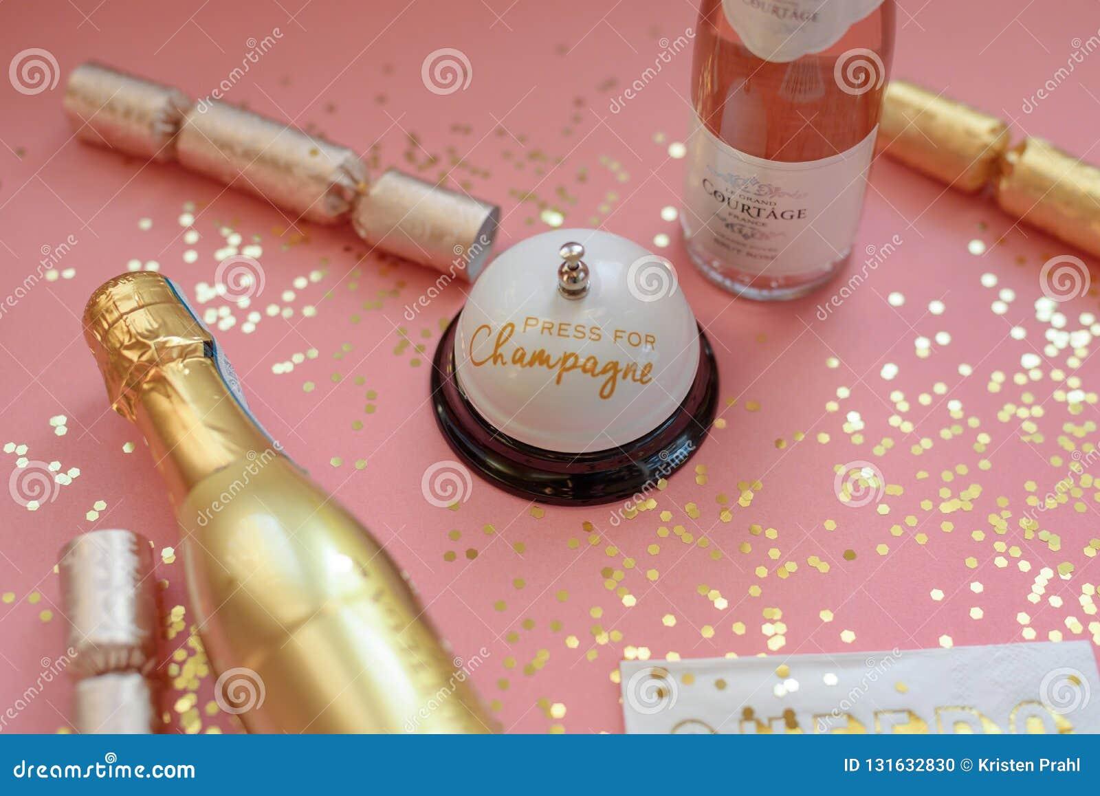 桃红色和金香槟背景为乐趣女孩夜