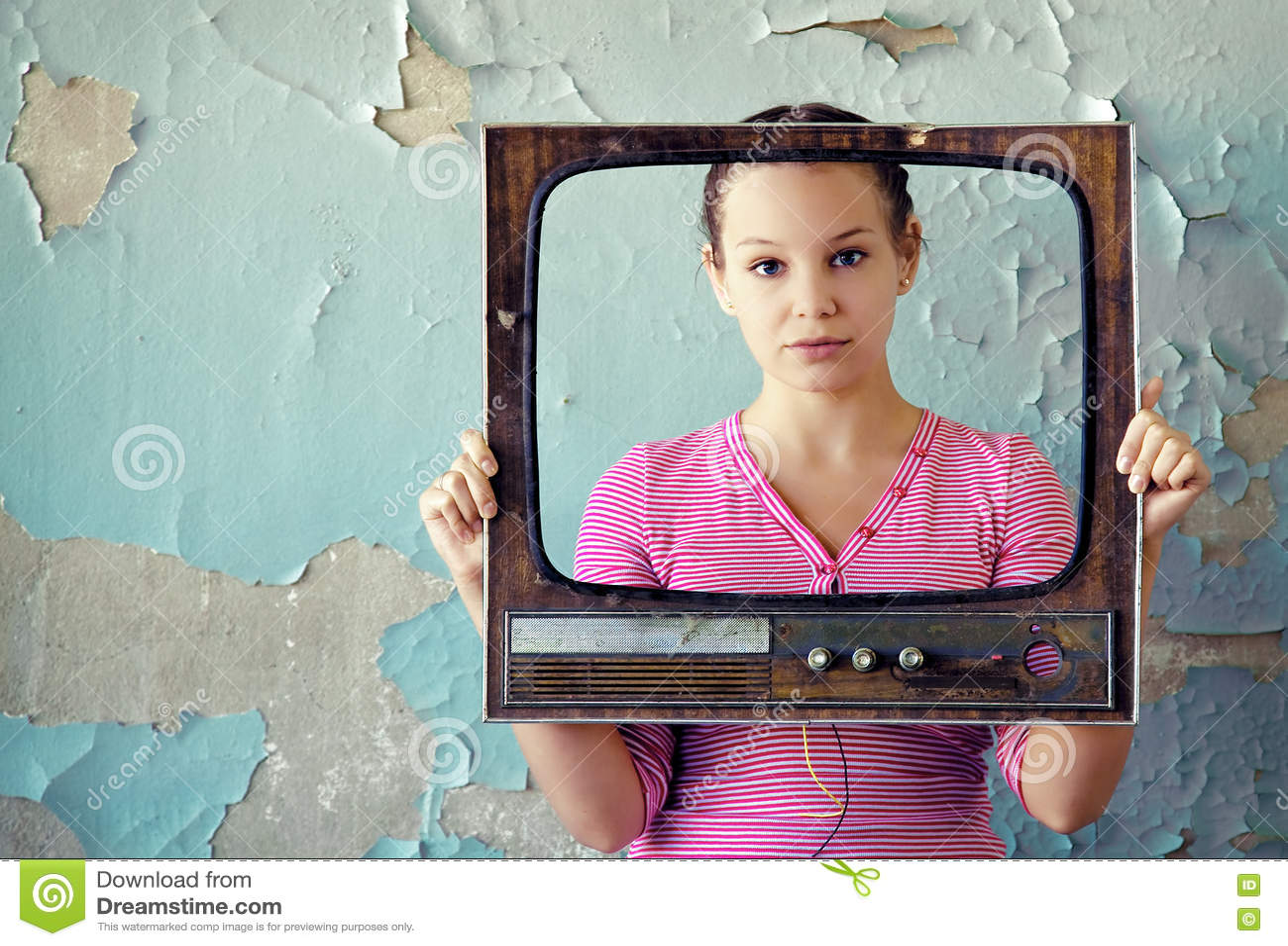框架电视妇女
