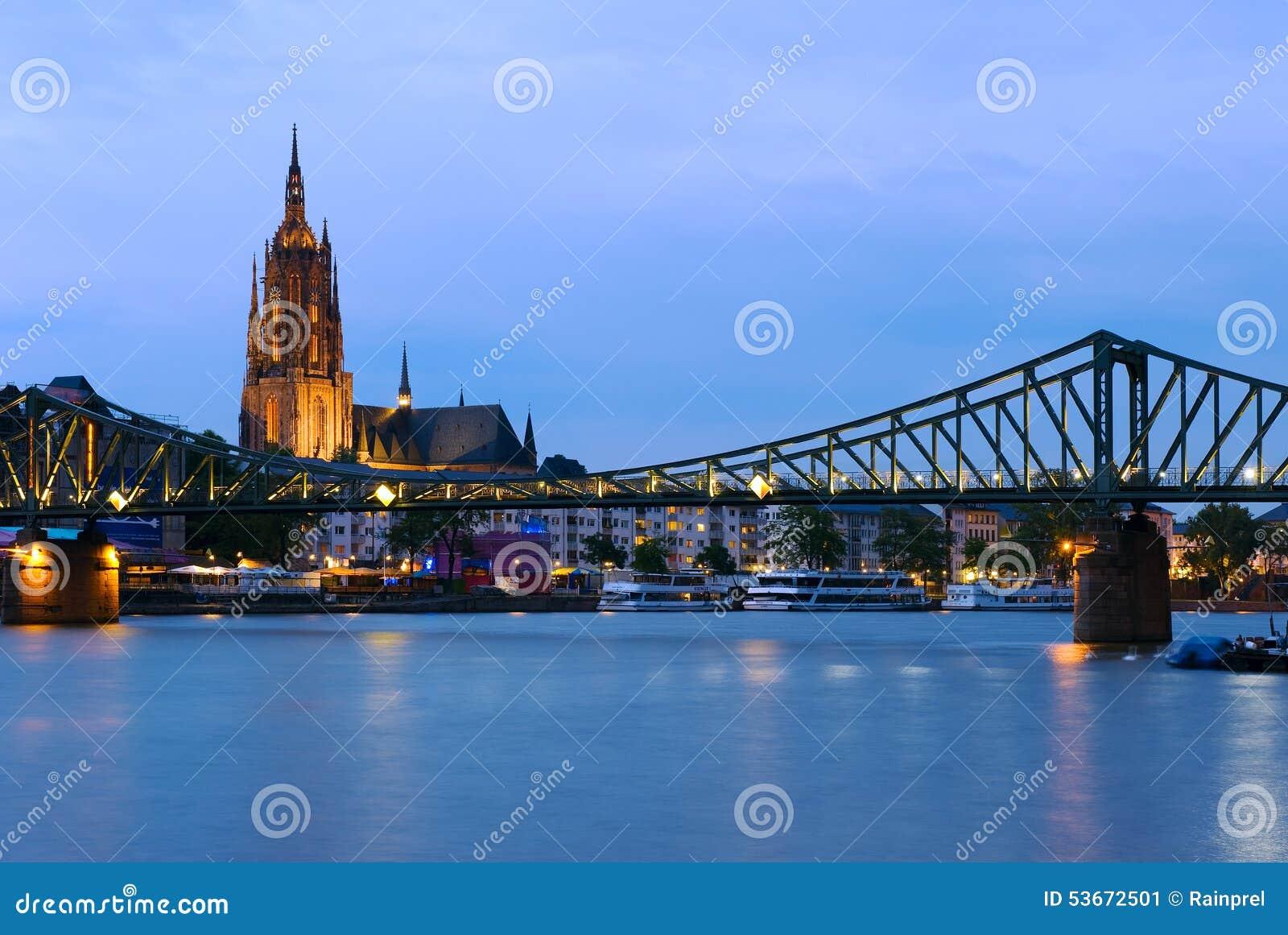 桥梁在法兰克福,德国
