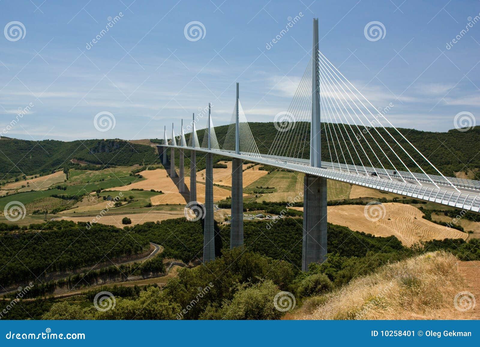 桥梁millau