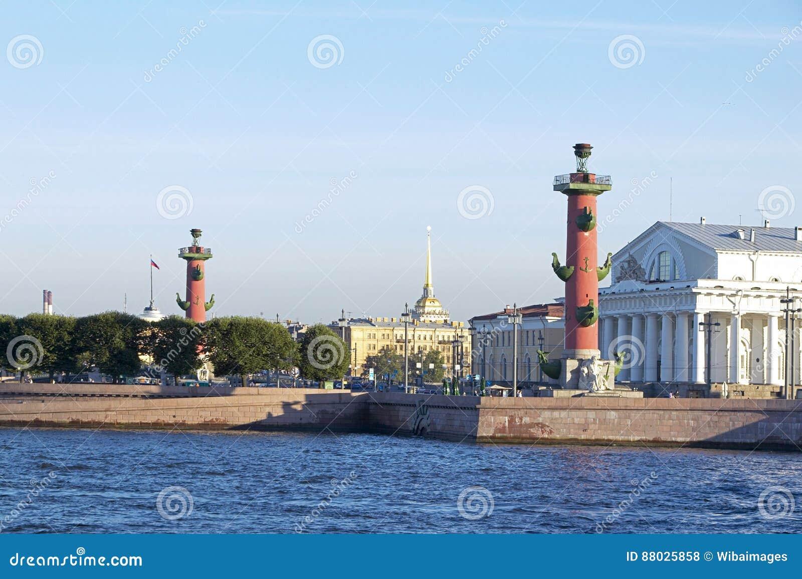桥梁okhtinsky彼得斯堡俄国圣徒