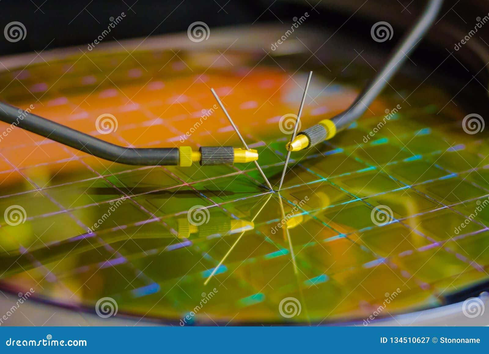 检查在硅片的微集成电路与探针驻地 Microelecronics