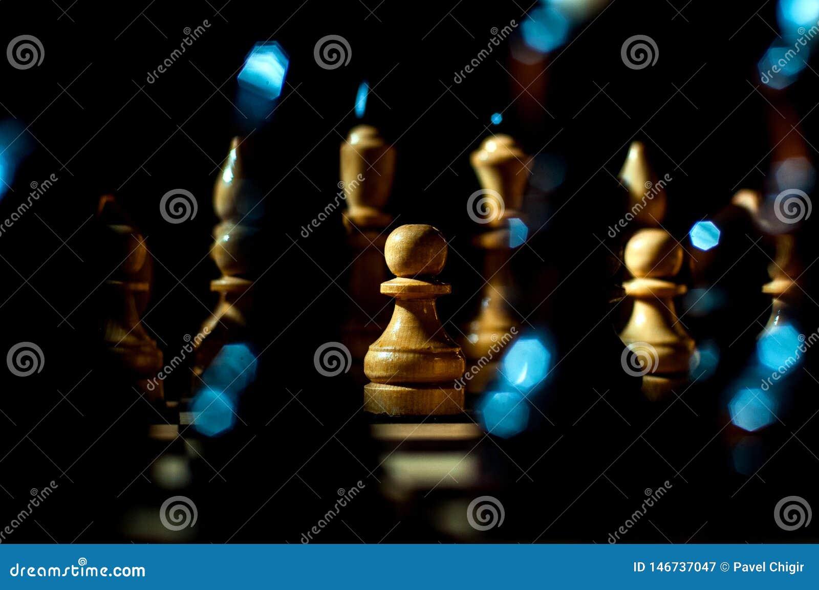 棋是与特别片断的一场逻辑板比赛在两名对手的一个64细胞板,结合艺术的元素,科学和体育
