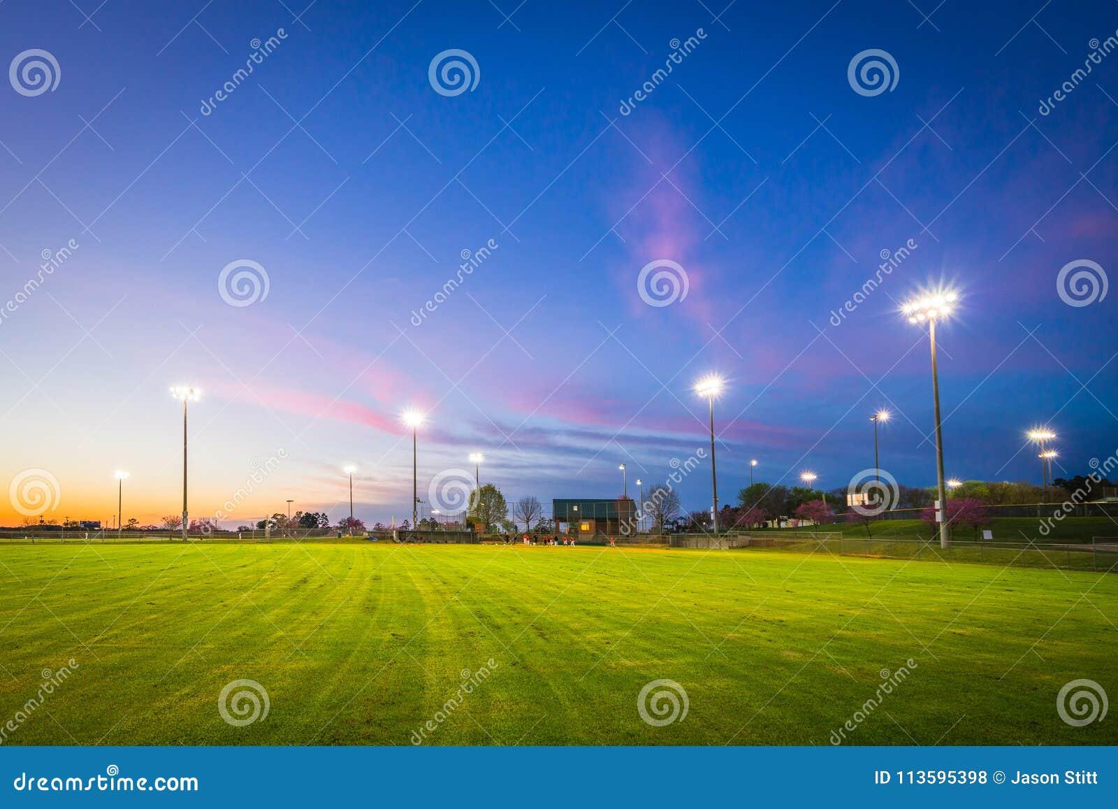 棒球场日落