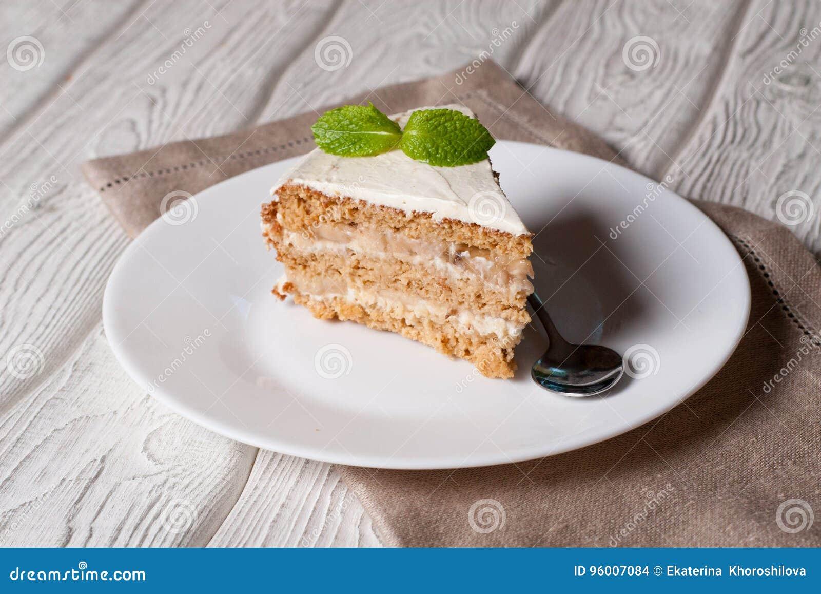 椰树蛋糕用香蕉,装饰的薄菏